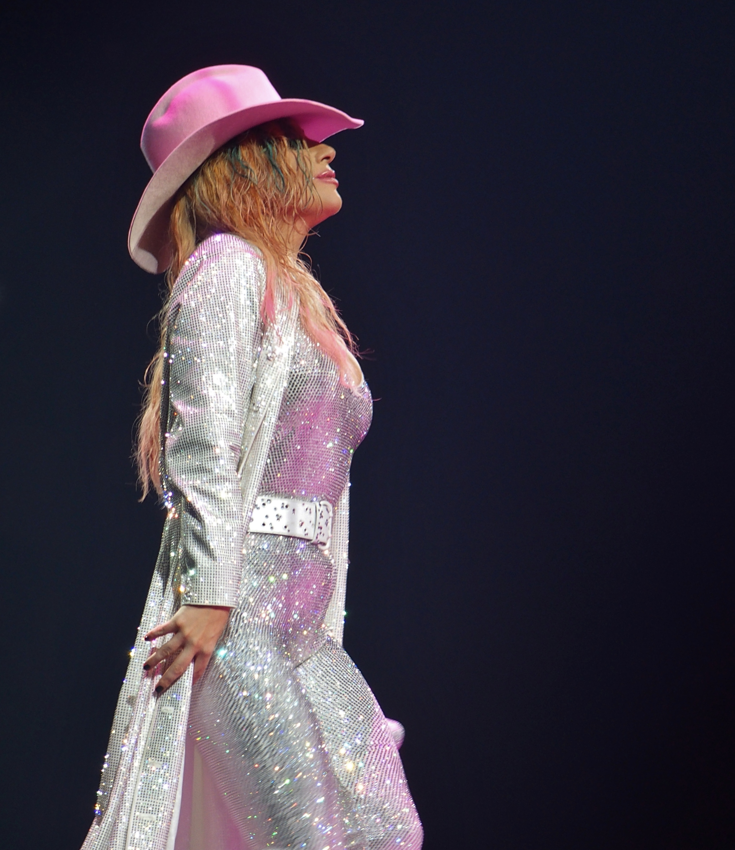 Lady_Gaga,_Joanne_World_Tour,_Bell_Cente