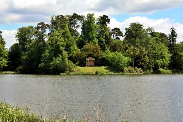 Lakeside Folly, Bowood House Gardens - geograph.org.uk - 1572438