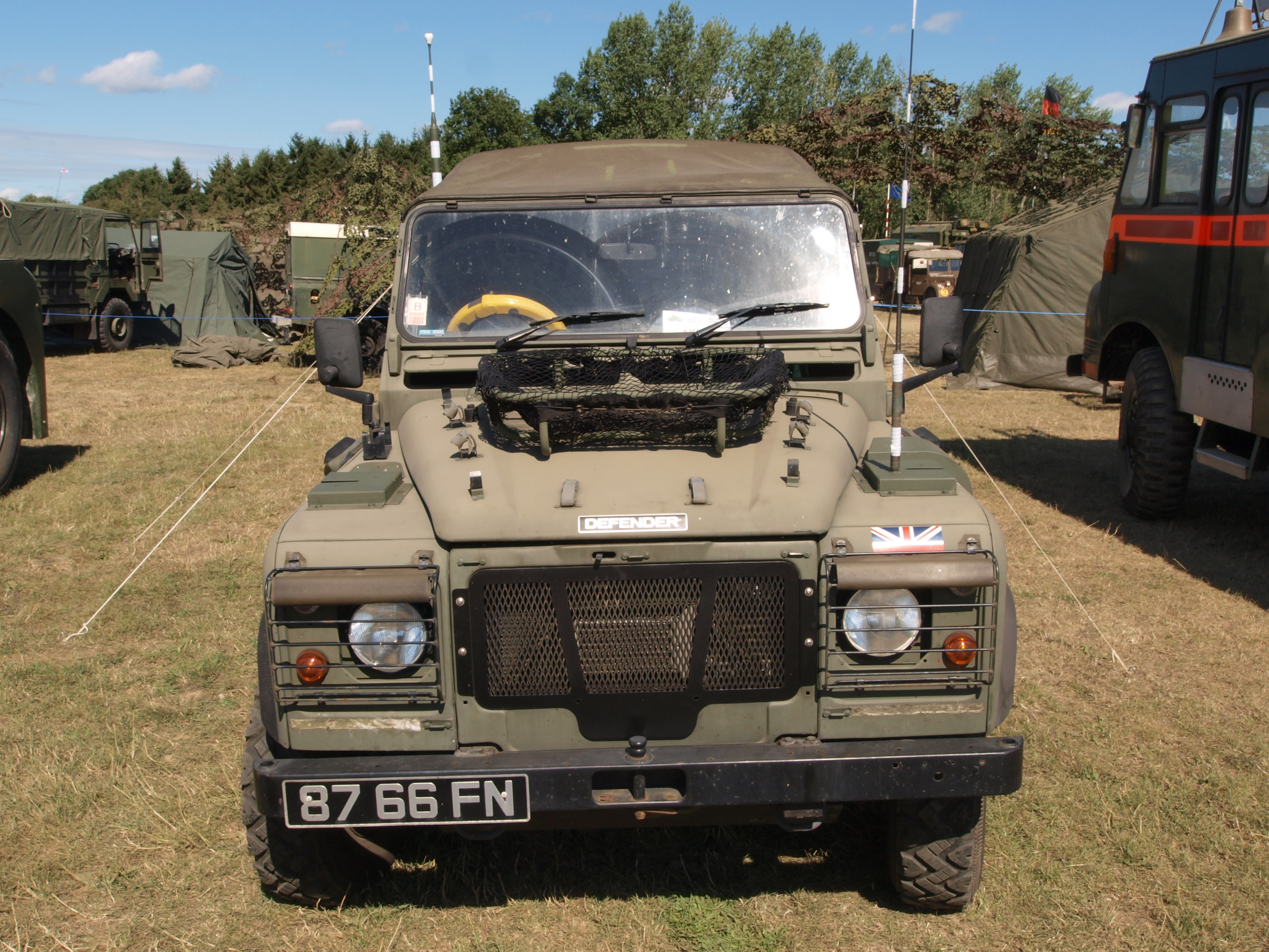 File:Land Rover Wolf TUM (1997) (owner C. Brown) pic2