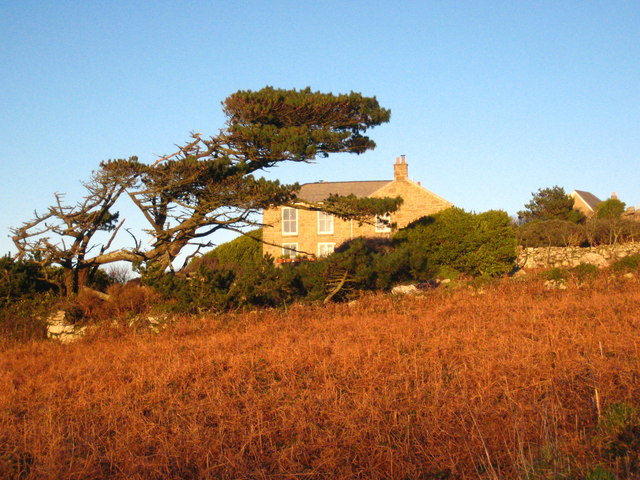 File:Large house beside the B3306 at Higher Tregerthen - geograph.org.uk - 1617215.jpg