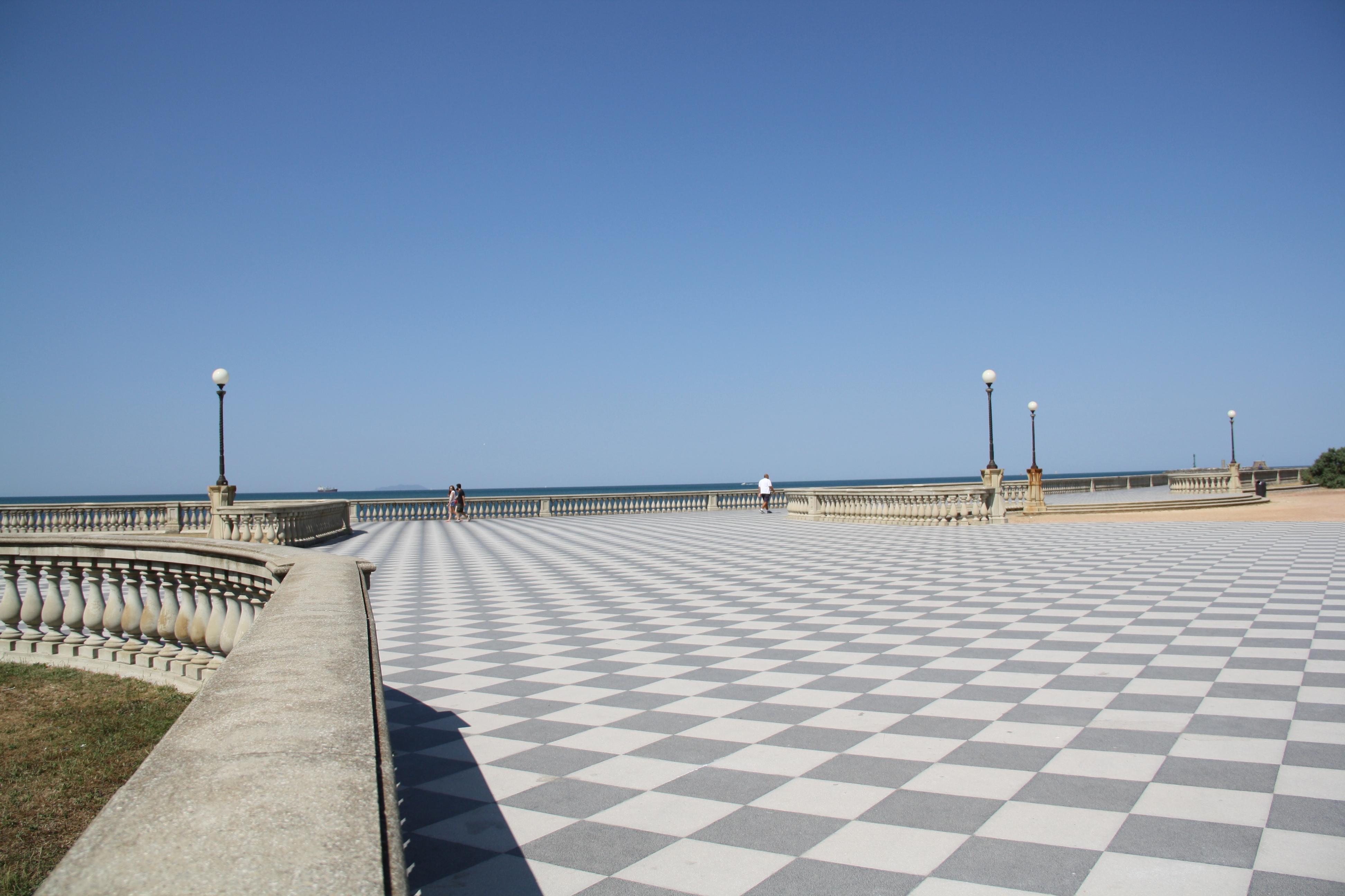File:Livorno Terrazza Mascagni 11 @chesi.JPG - Wikimedia Commons