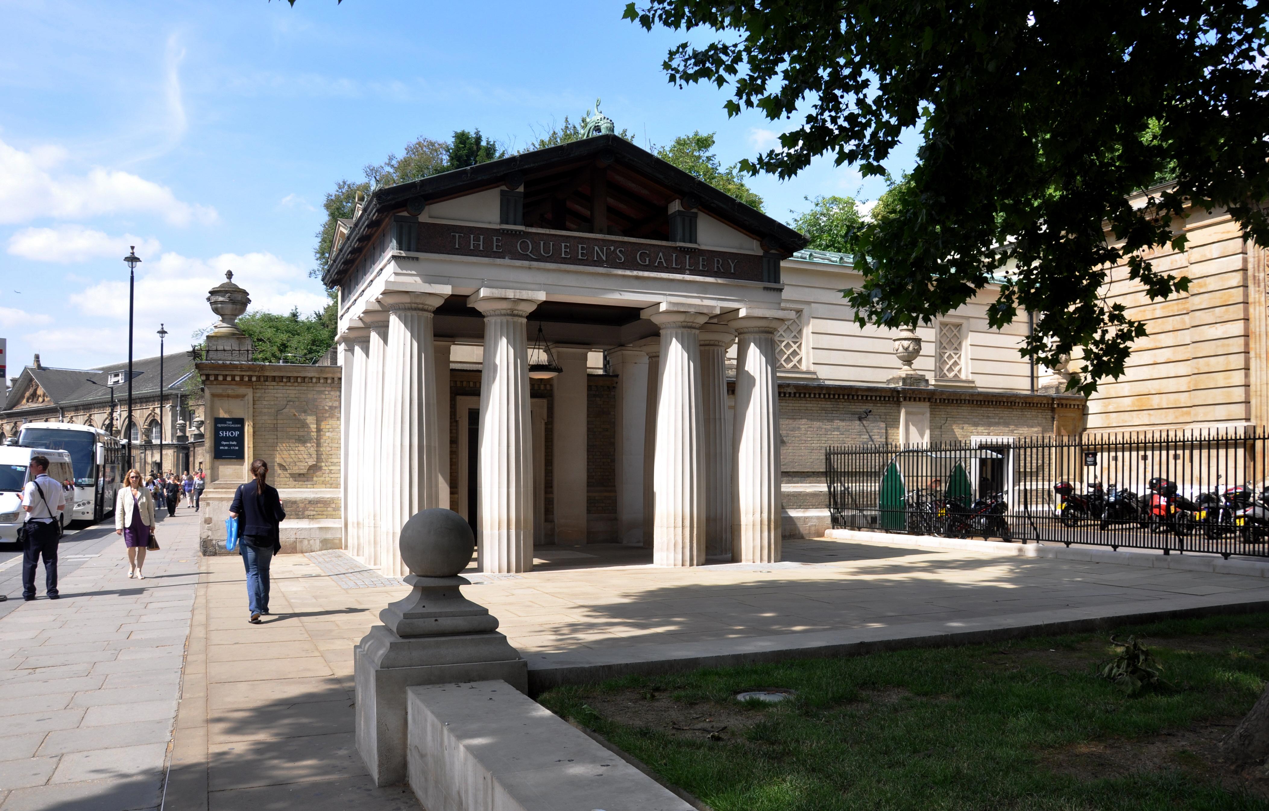 London Queen's Gallery 2011.jpg