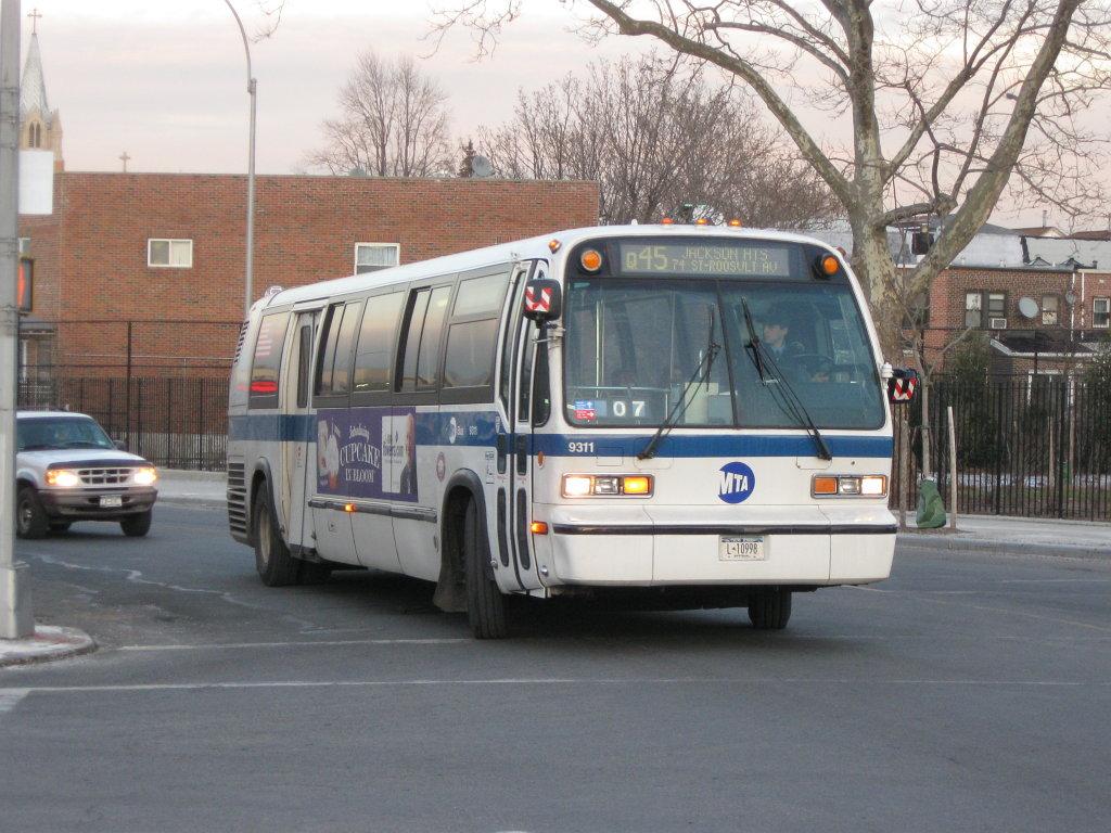 MTA_Bus_Company_Nova_Bus_RTS_9311.jpg