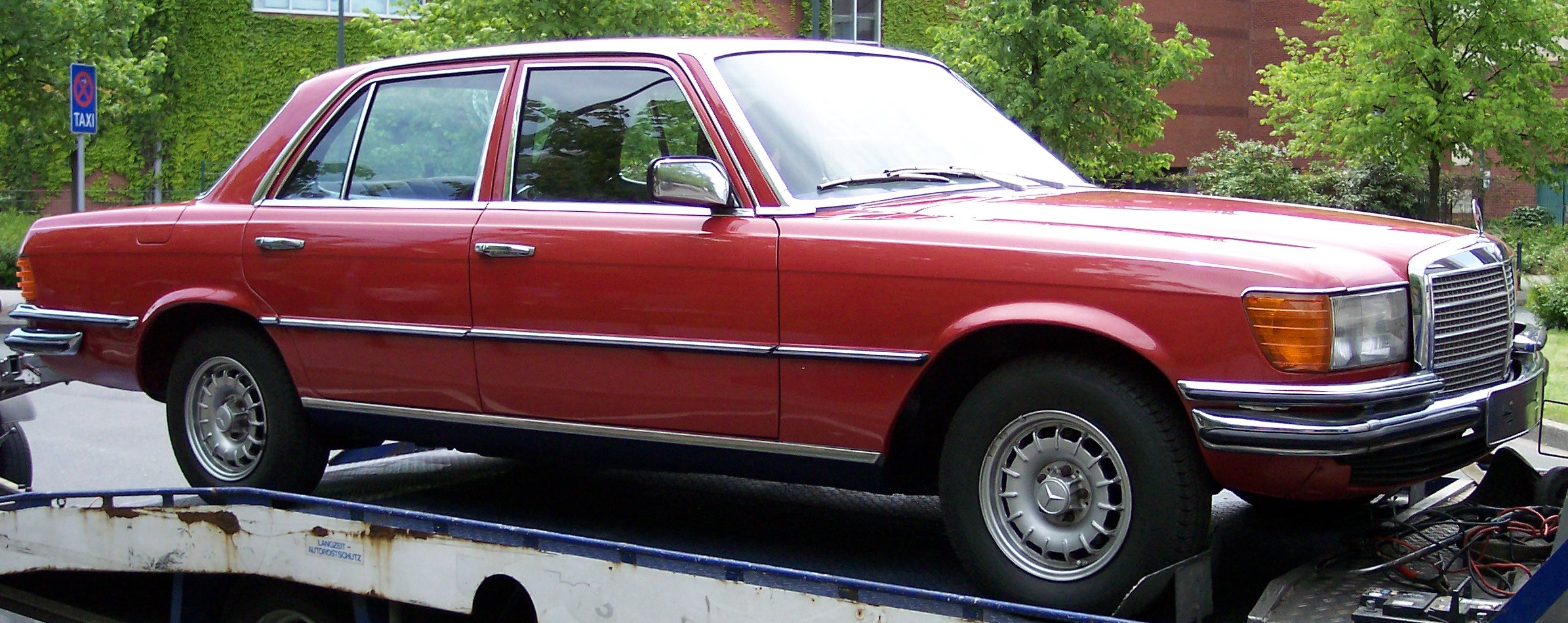 Datei mercedes benz w116 red wikipedia for Mercedes benz of louisville