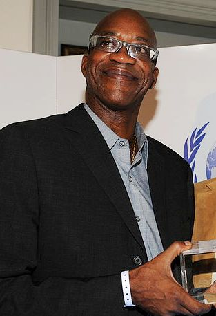 Depiction of Edwin Moses