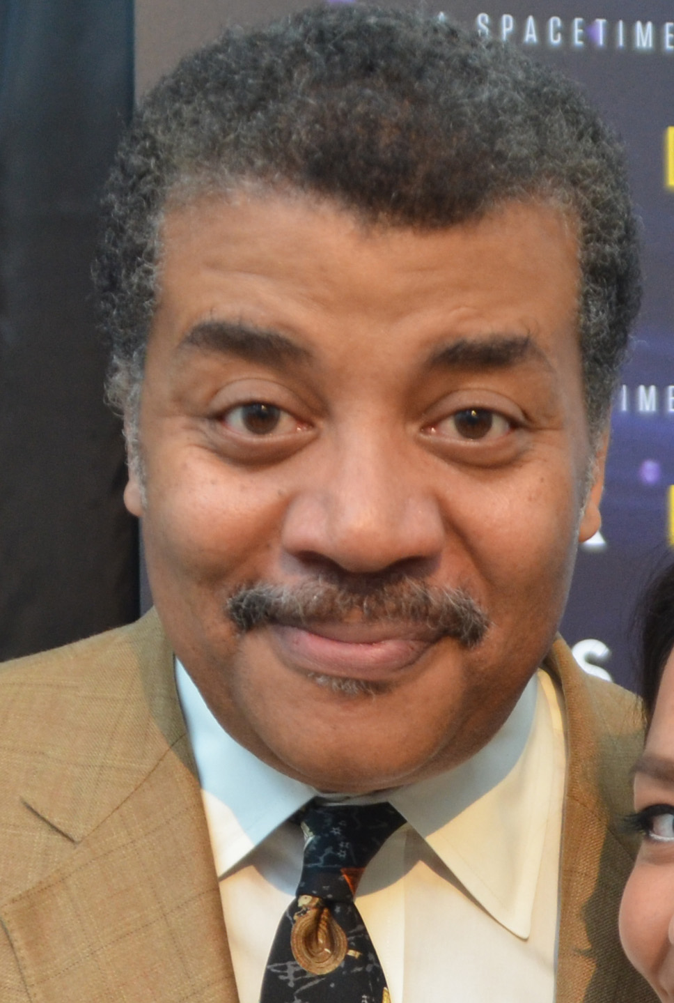 neil tyson Xem video  popular scientist and tv personality neil degrasse tyson has appeared on nova and the daily show , and runs new york's hayden planetarium learn more at biographycom.