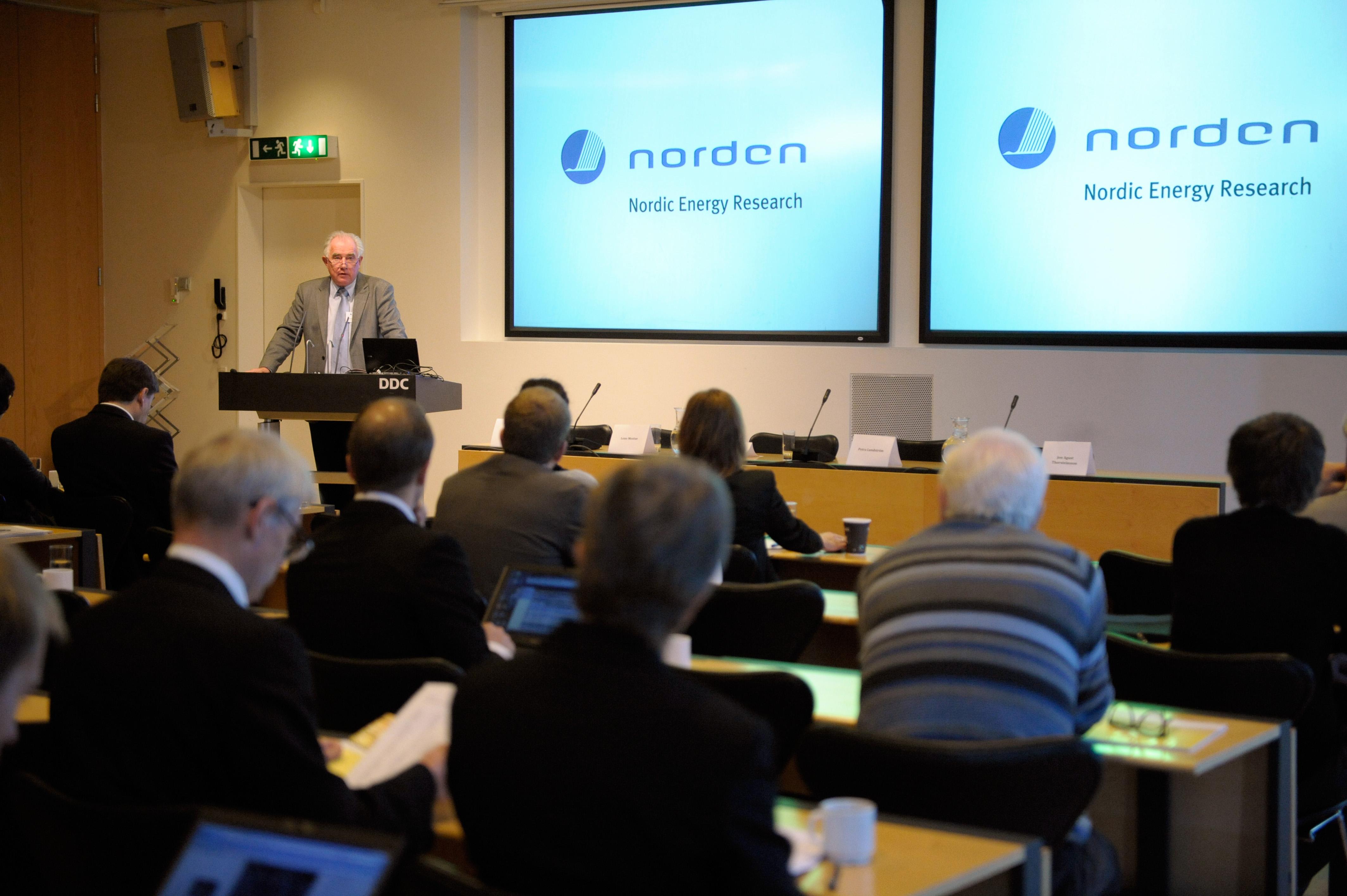 25 års rim File:Nordiska ministerradets generalsekreterare Halldor Asgrimsson  25 års rim