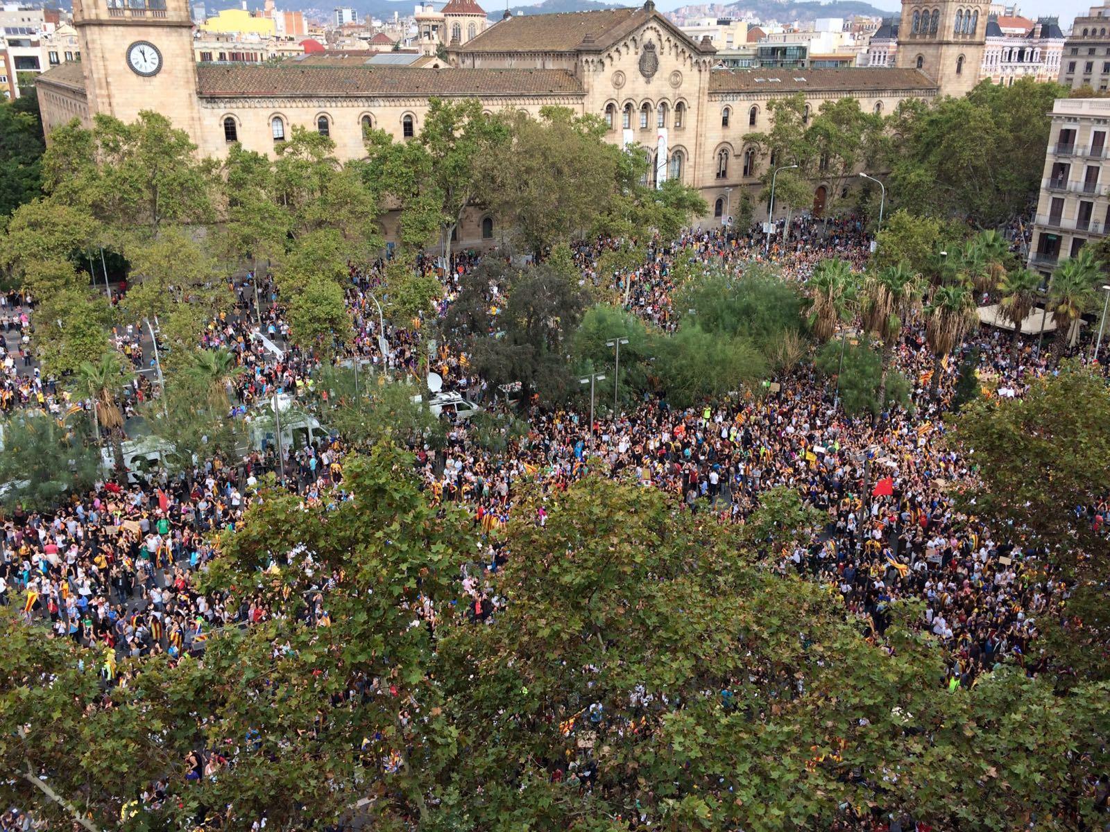 File pla a universitat barcelona 3rd october - Placa universitat barcelona ...