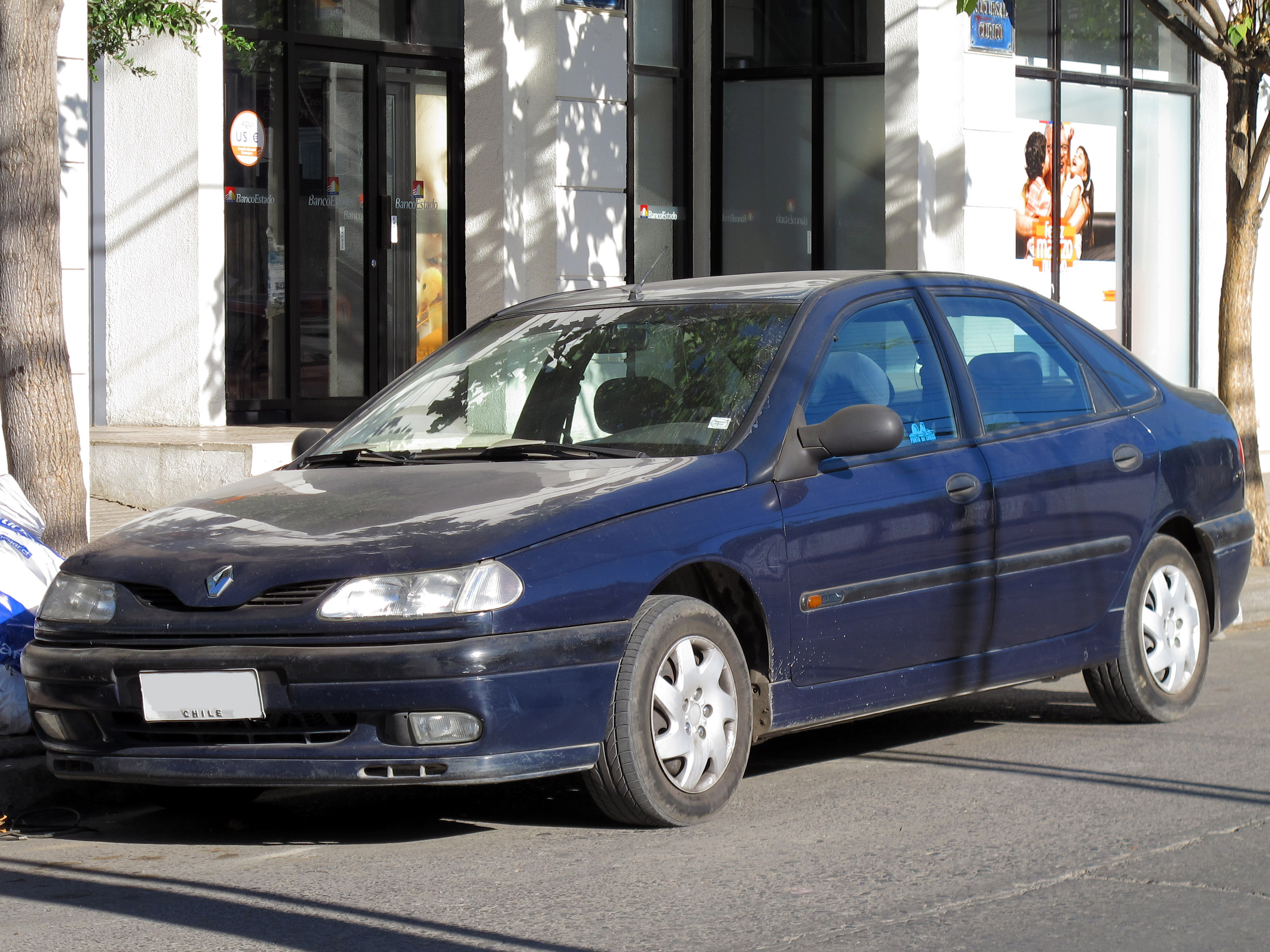 File:Renault Laguna 1.8 Albatros 1996 (17307818516).jpg ...