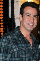 ronit roy height