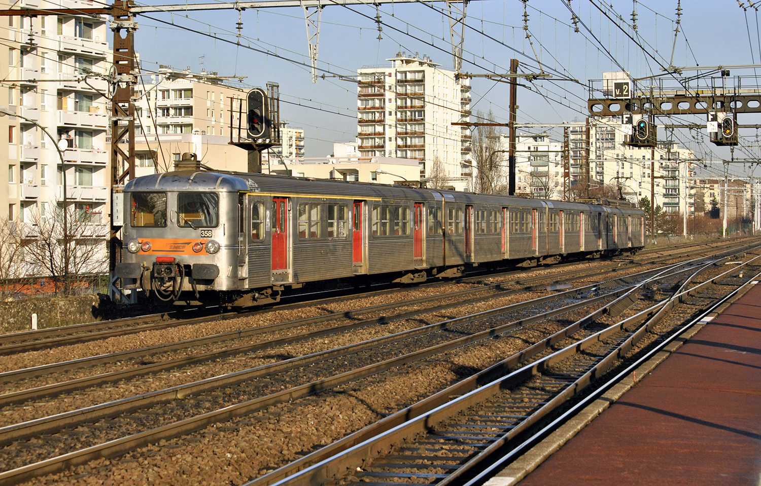 File:SNCF Z 5300 5358 (8523014016).jpg - Wikimedia Commons