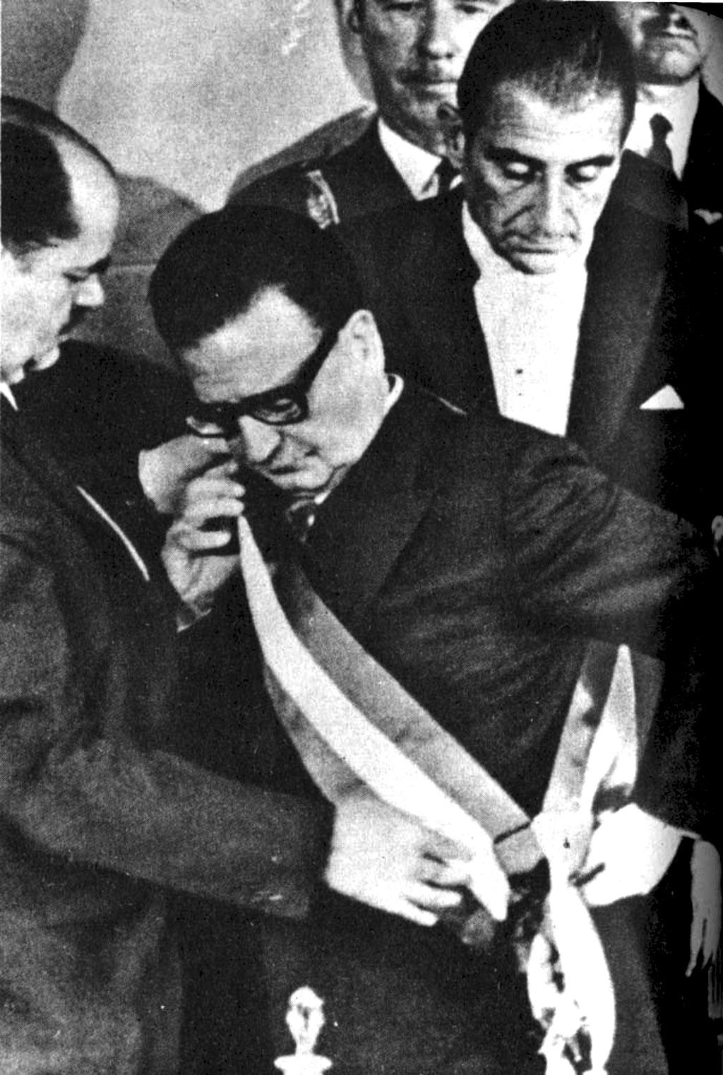 Salvador Allende asume como presidente, el 3 de noviembre de 1970.