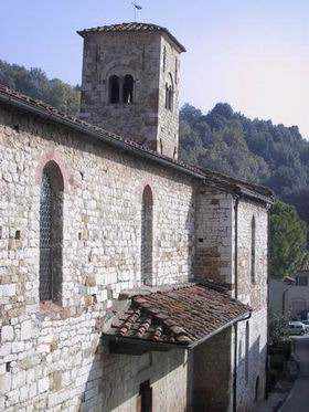 https://upload.wikimedia.org/wikipedia/commons/7/7b/San_pietro_a_figline%2C_campanile.jpg