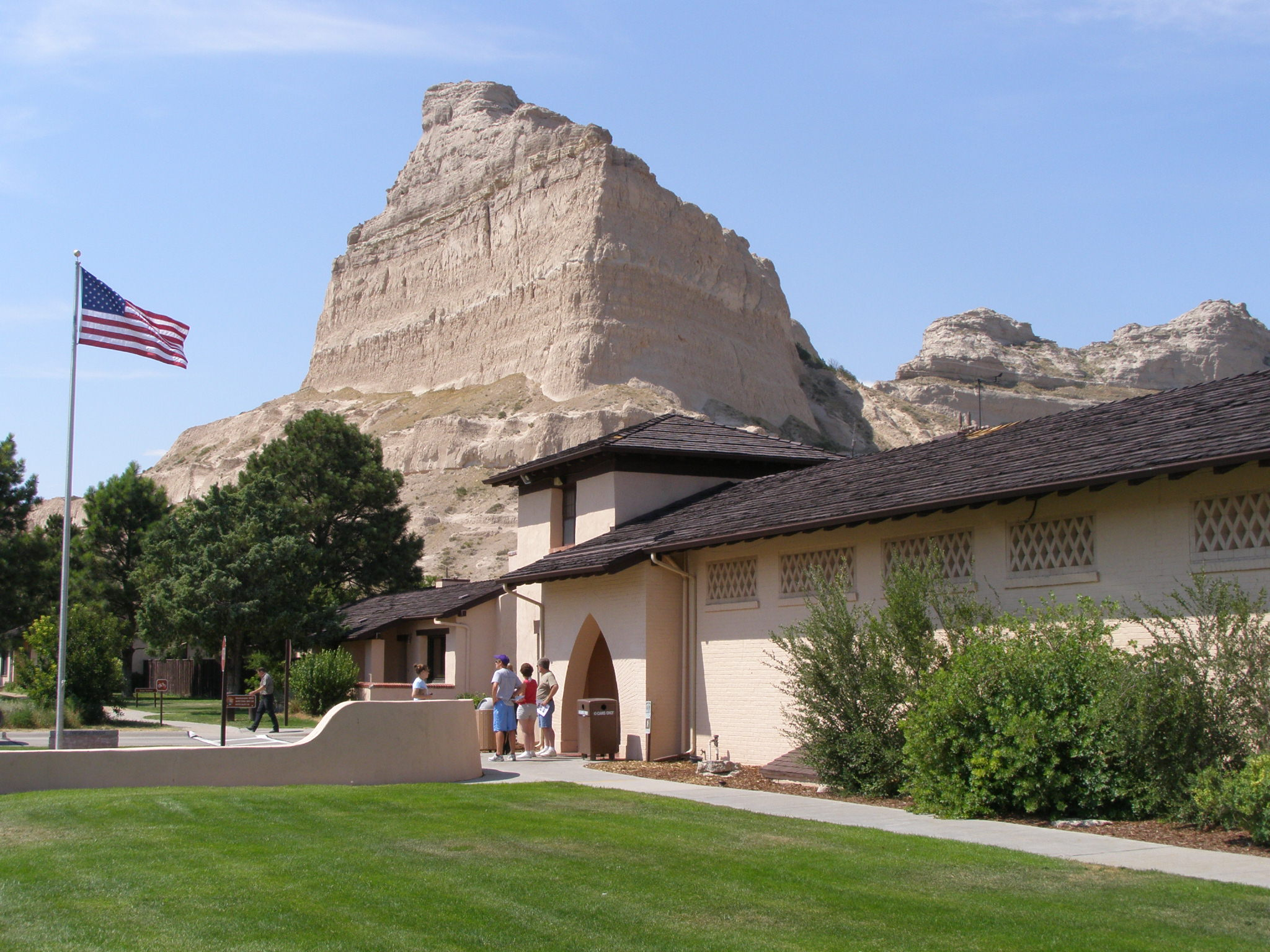 File:Scotts Bluff VC n entrance (Eagle Rock).JPG