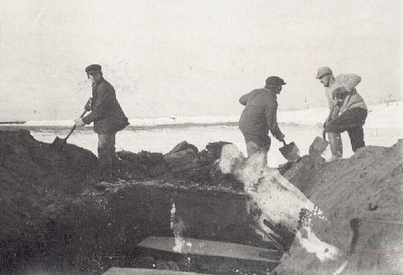 Spanish flu victims burial North River Labrador 1918.JPG