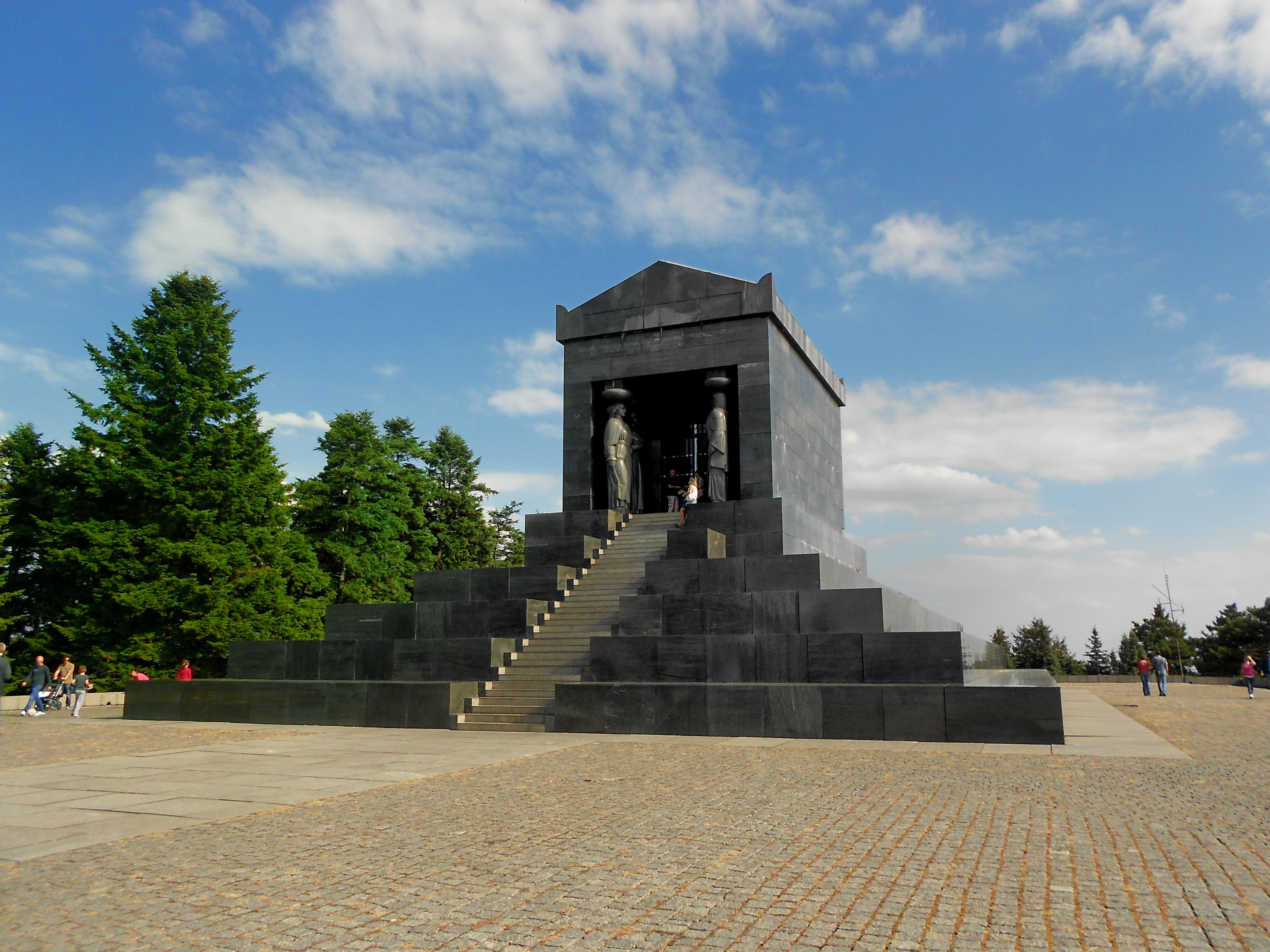Berkas Spomenik Neznanom Junaku Avala Beograd Jpg Wikipedia