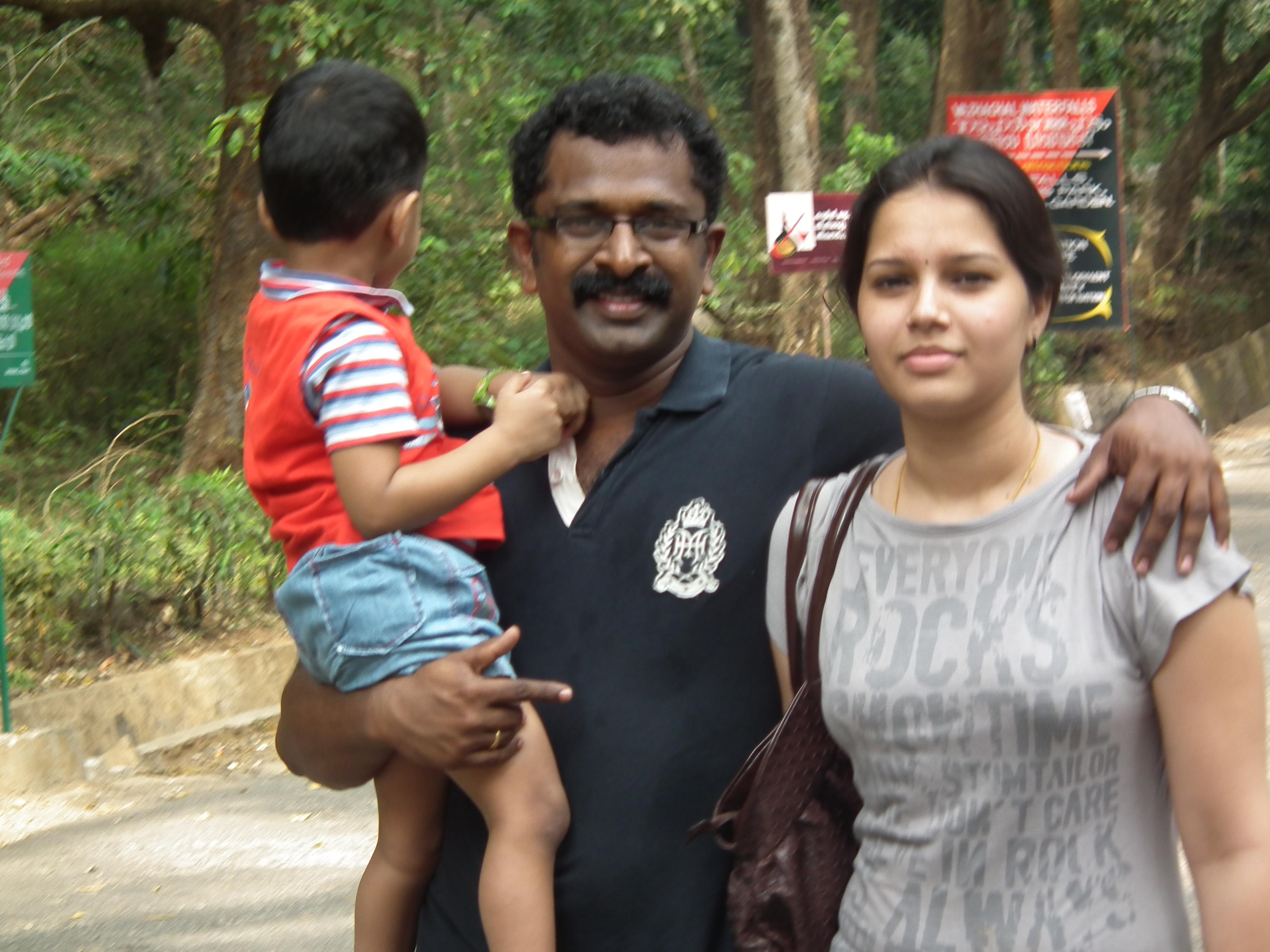 Aayirathil Iruvar Movie Review