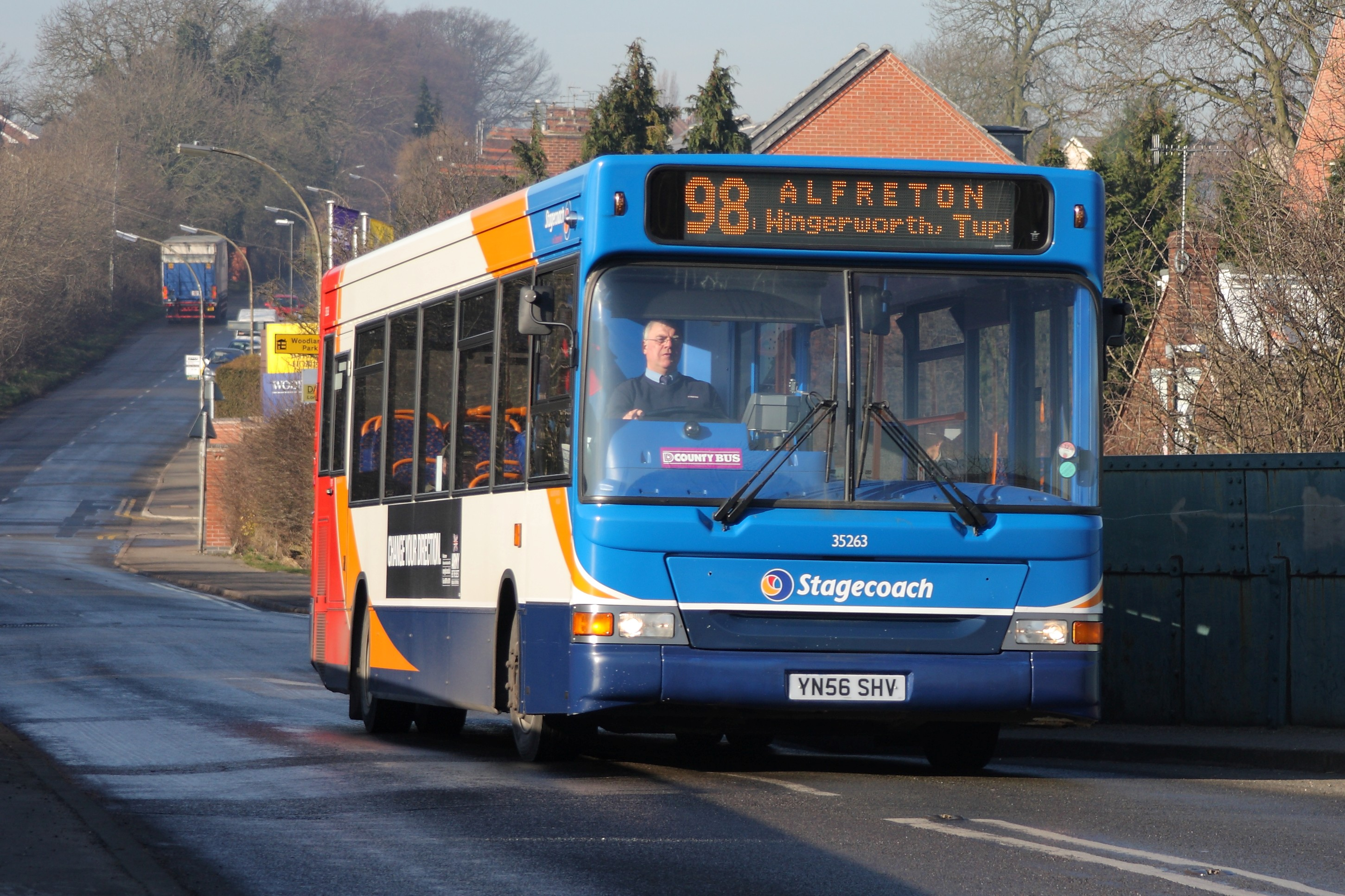 K Chesterfield File:Stagecoach Chesterfield bus 35263, Dennis Dart Plaxton Pointer ...