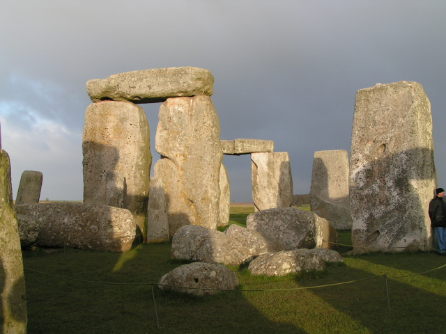Stonehenge at sunrise, looking west - geograph.org.uk - 965442.jpg