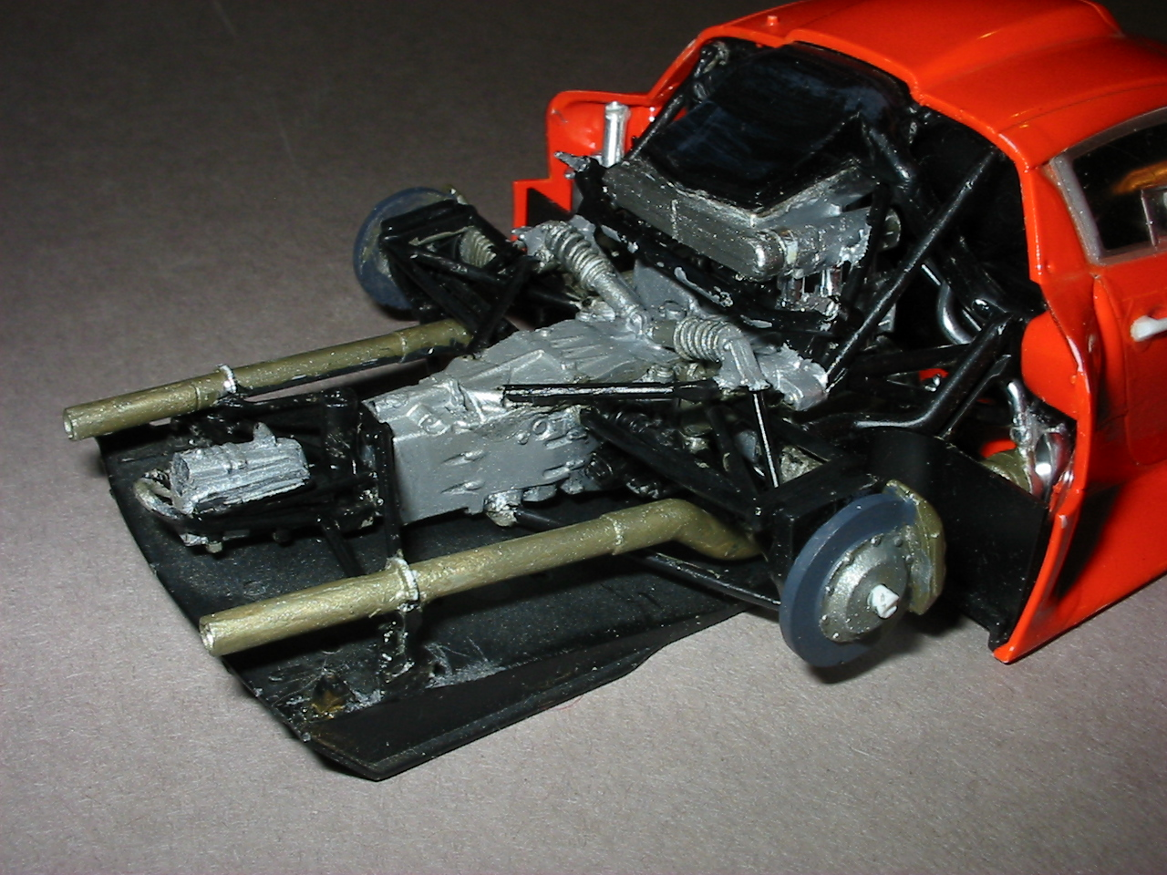 File:Tamiya Porsche GT1 engine, transmission, too much bad ...