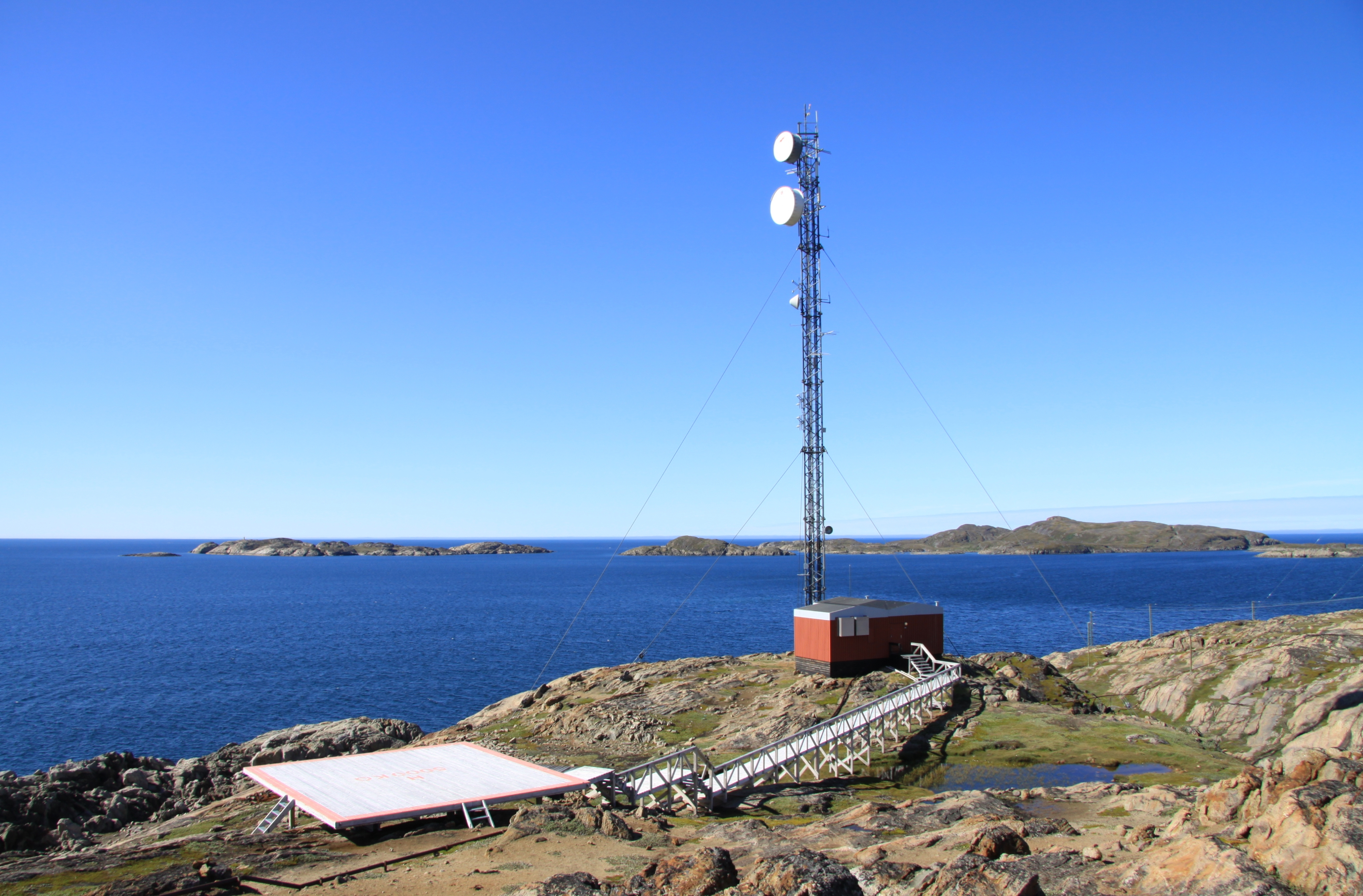 Description Telecommunication equipment in Sisimiut (2).JPG