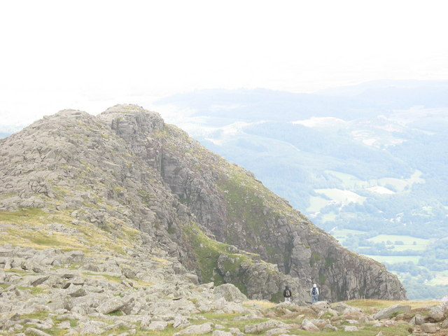 The Craggy Eastern Front of Moel Siabod - geograph.org.uk - 218593