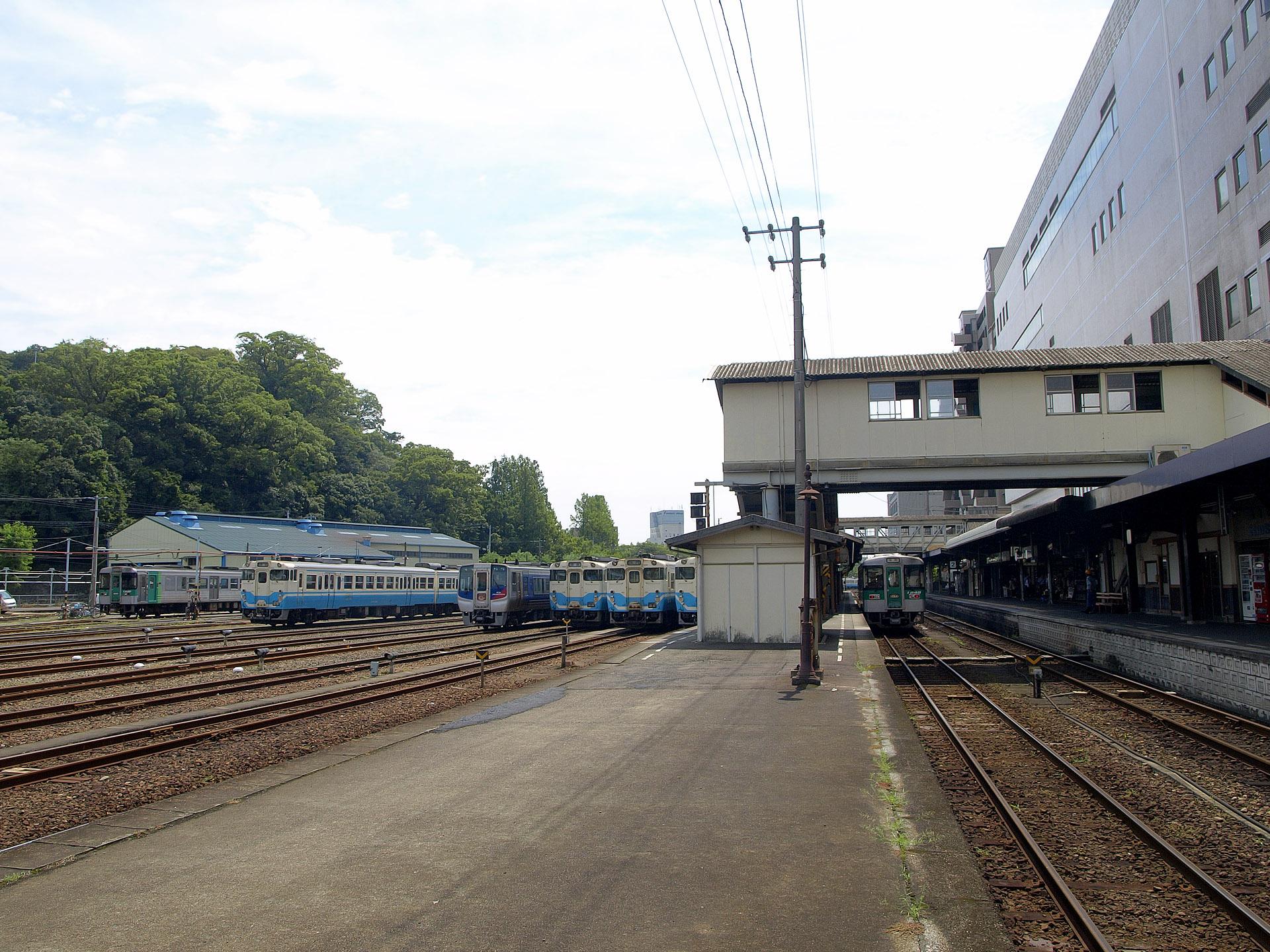徳島駅ワロタw