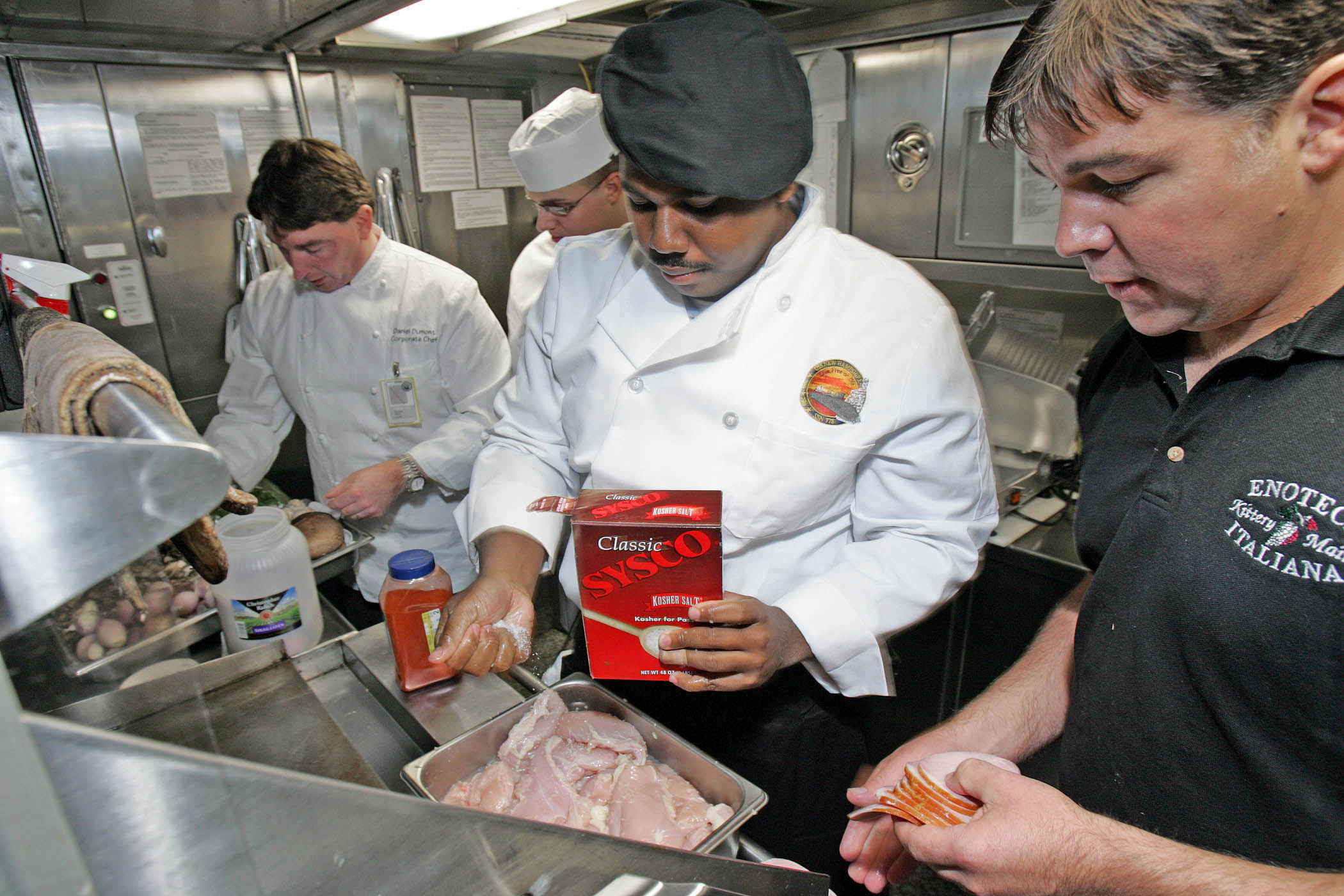 File:US Navy 081022-N-7441H-002 Chef Dan Dumont, Culinary ...
