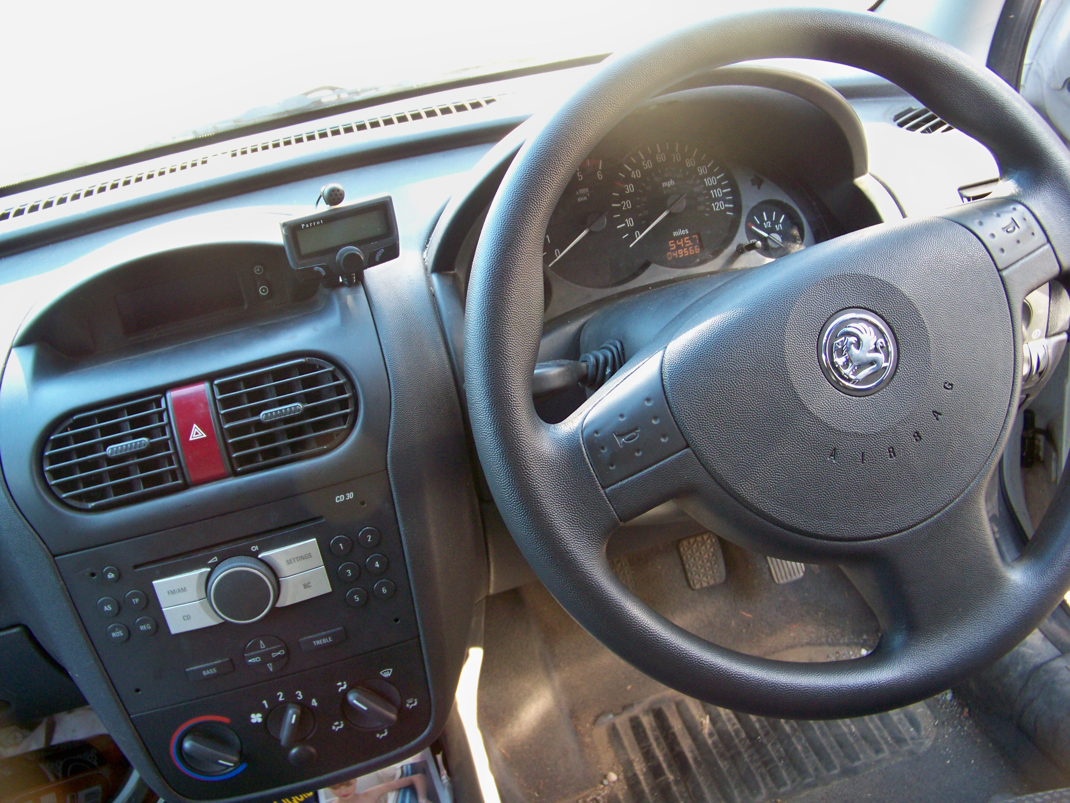 File vauxhall combo wikimedia commons for Interior zafira chevrolet