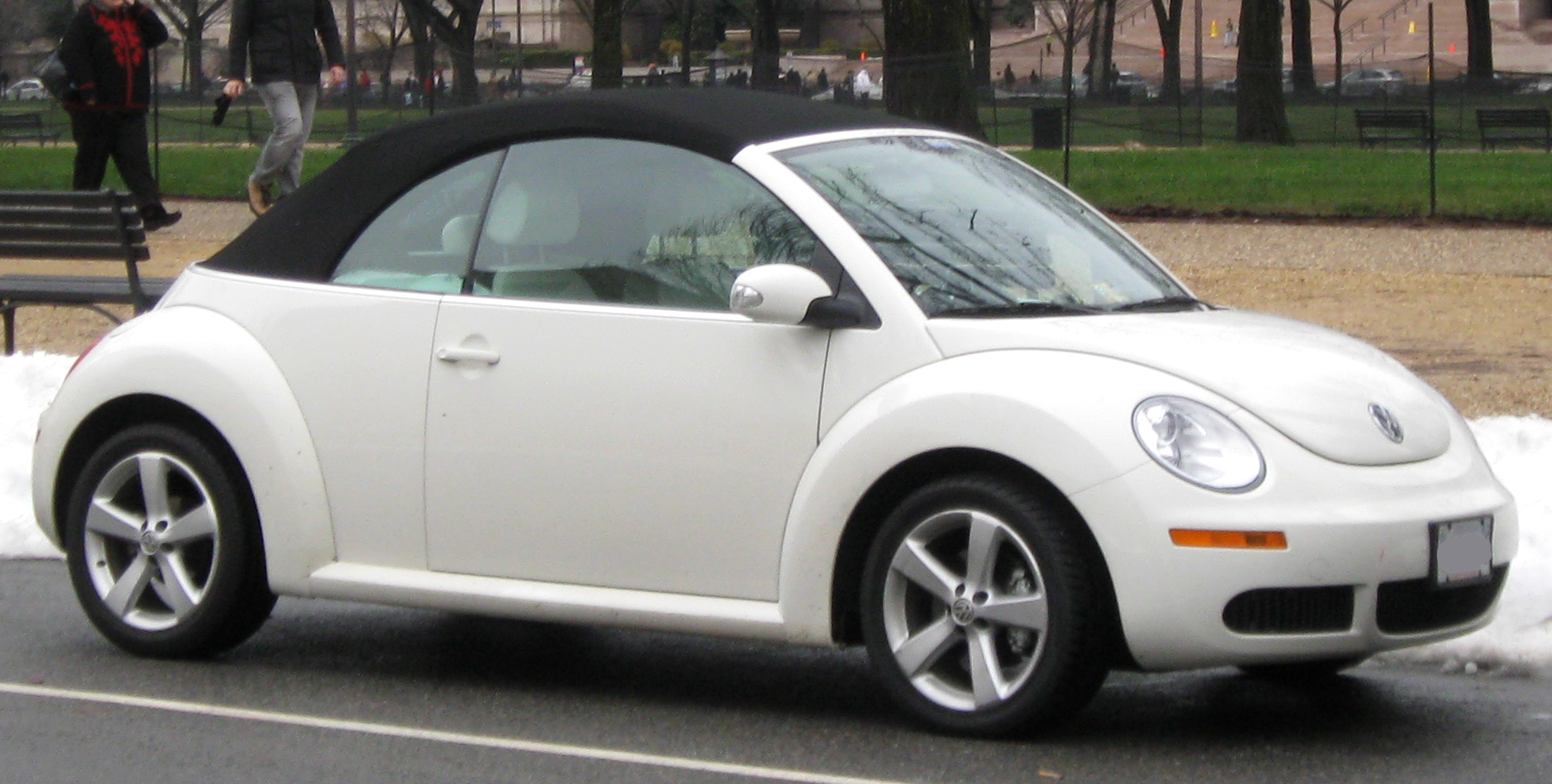 file volkswagen new beetle convertible 12 26 wikimedia commons. Black Bedroom Furniture Sets. Home Design Ideas