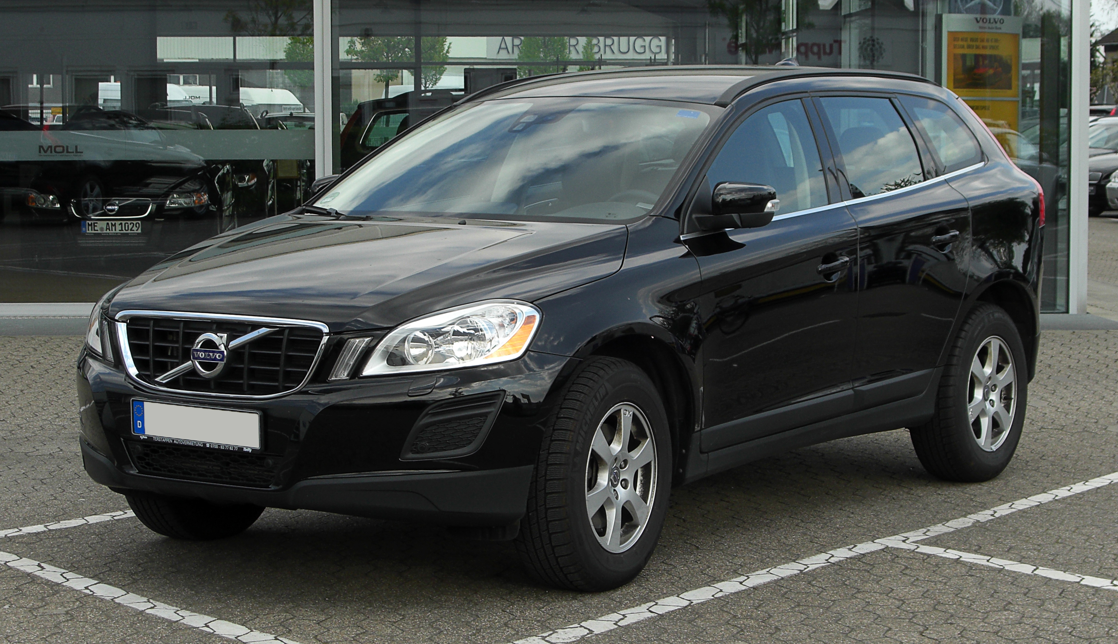 file volvo xc60 d3 frontansicht 16 april 2011 hilden. Black Bedroom Furniture Sets. Home Design Ideas