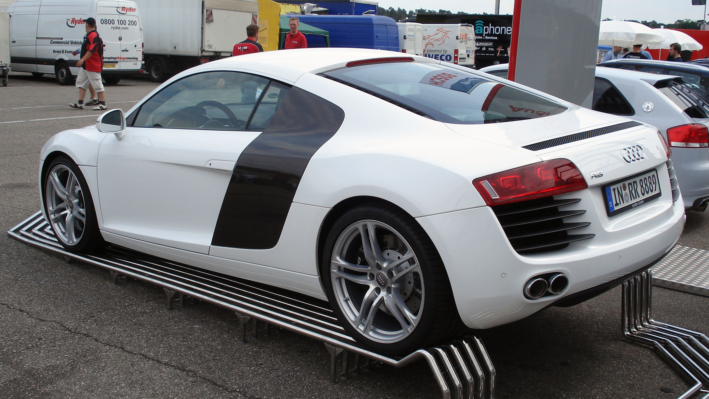 Audi R8 Wiki >> File:White Audi R8 rl.jpg - Wikimedia Commons