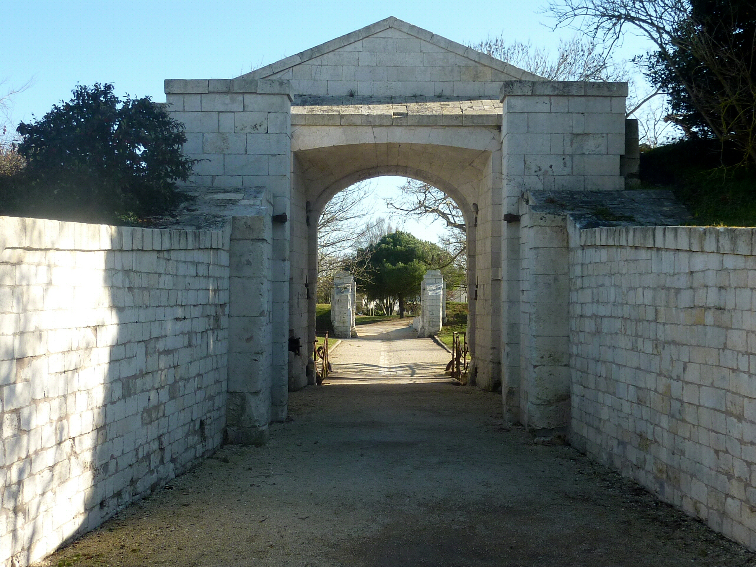 Architecte Interieur La Rochelle file:059 - porte royale (ancienne) côté intérieur - la