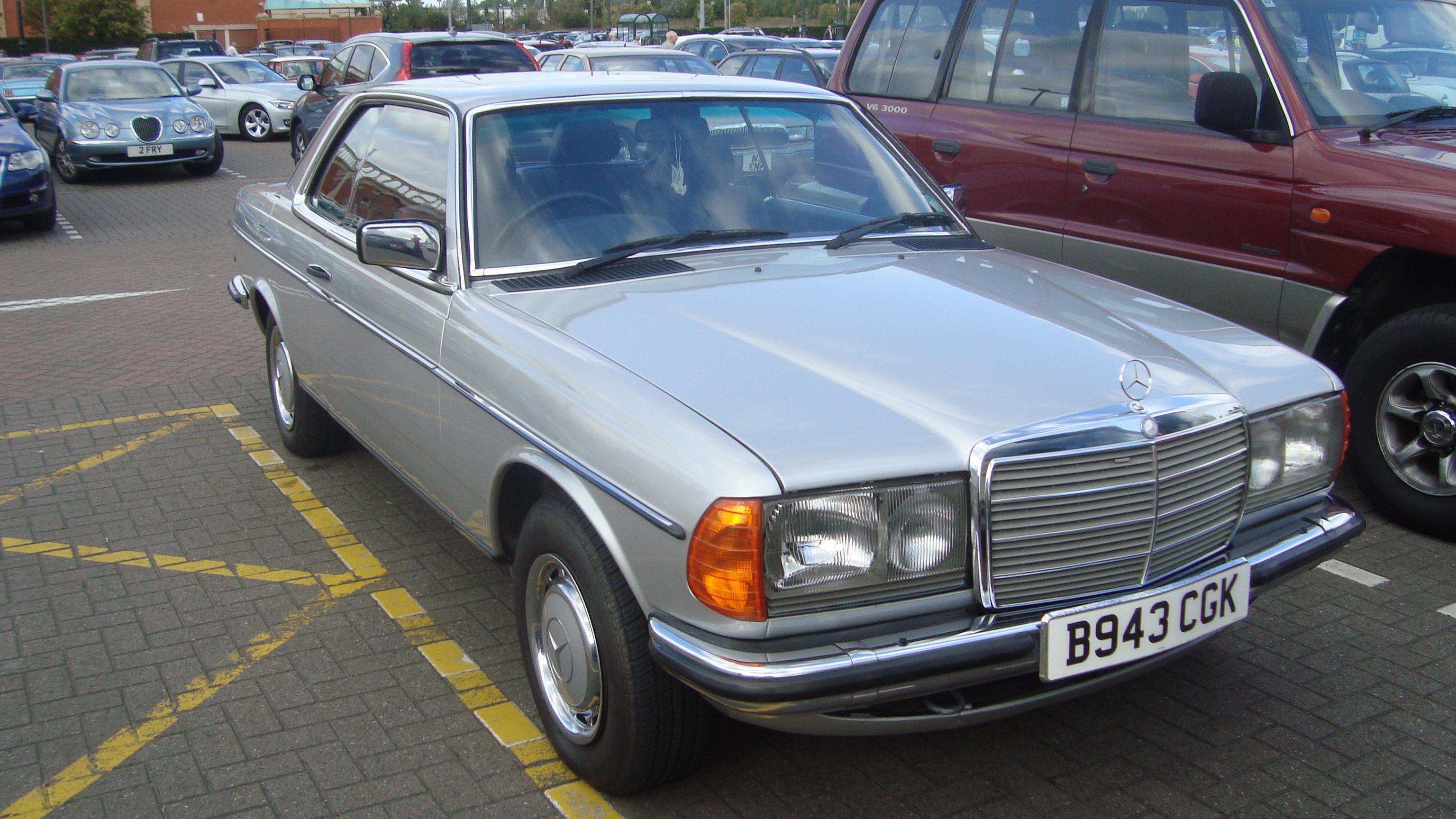 Mercedes Benz Baureihe 123 –