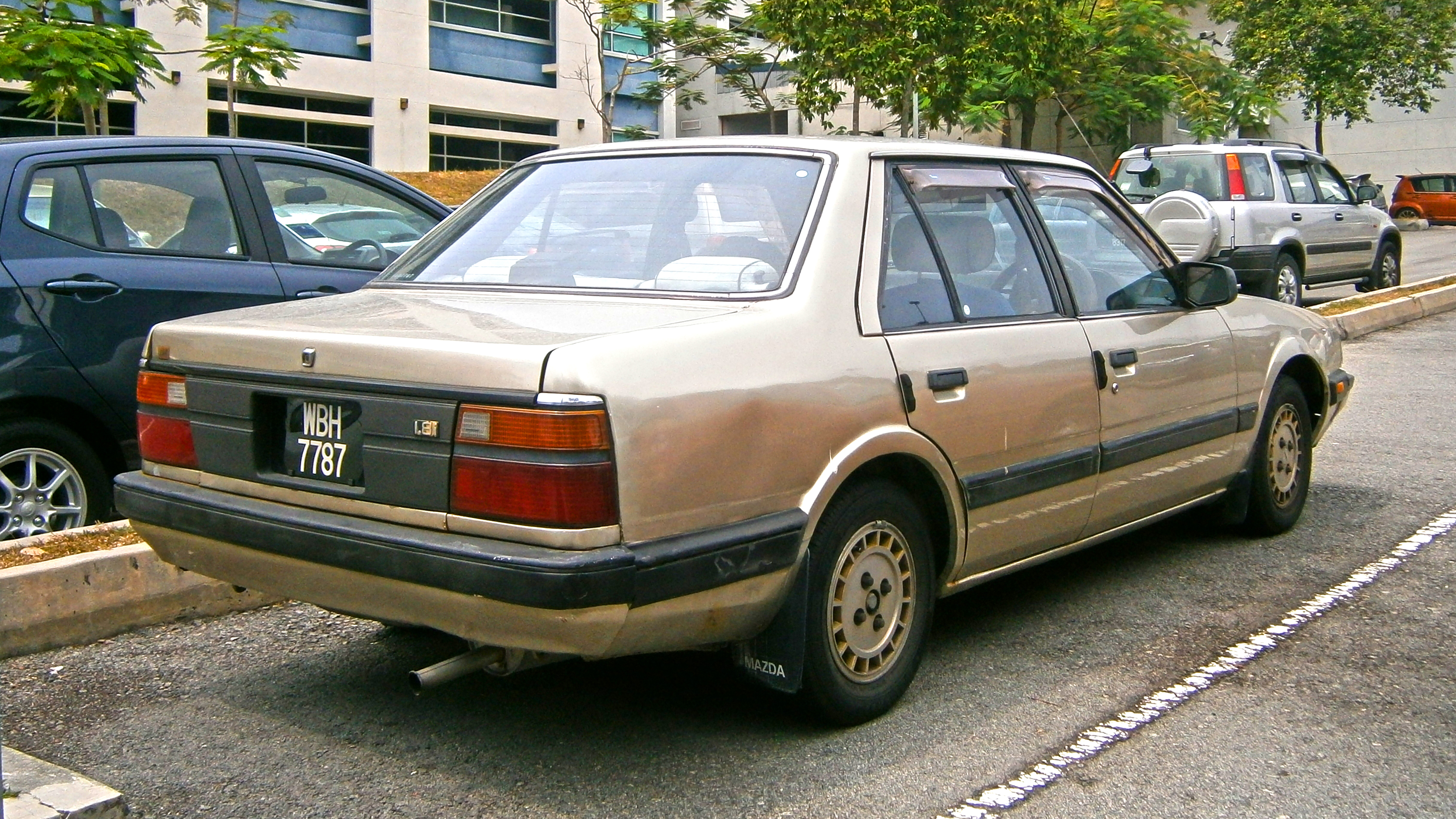 File:1987 Mazda 626 (GC) 1.8i 4-door sedan (19734754942).jpg ...