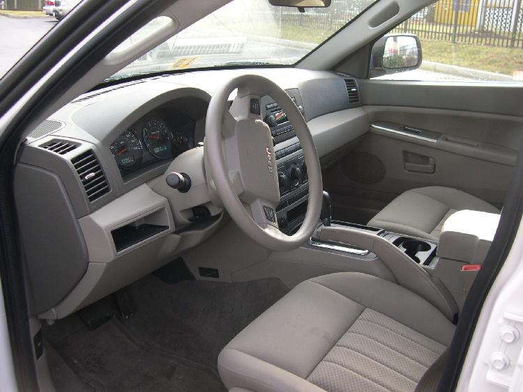 File:2005 Jeep Grand Cherokee Interior