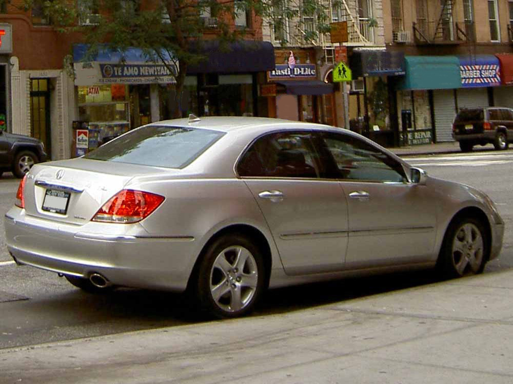 File:2006 Acura RL.JPG - Wikimedia Commons