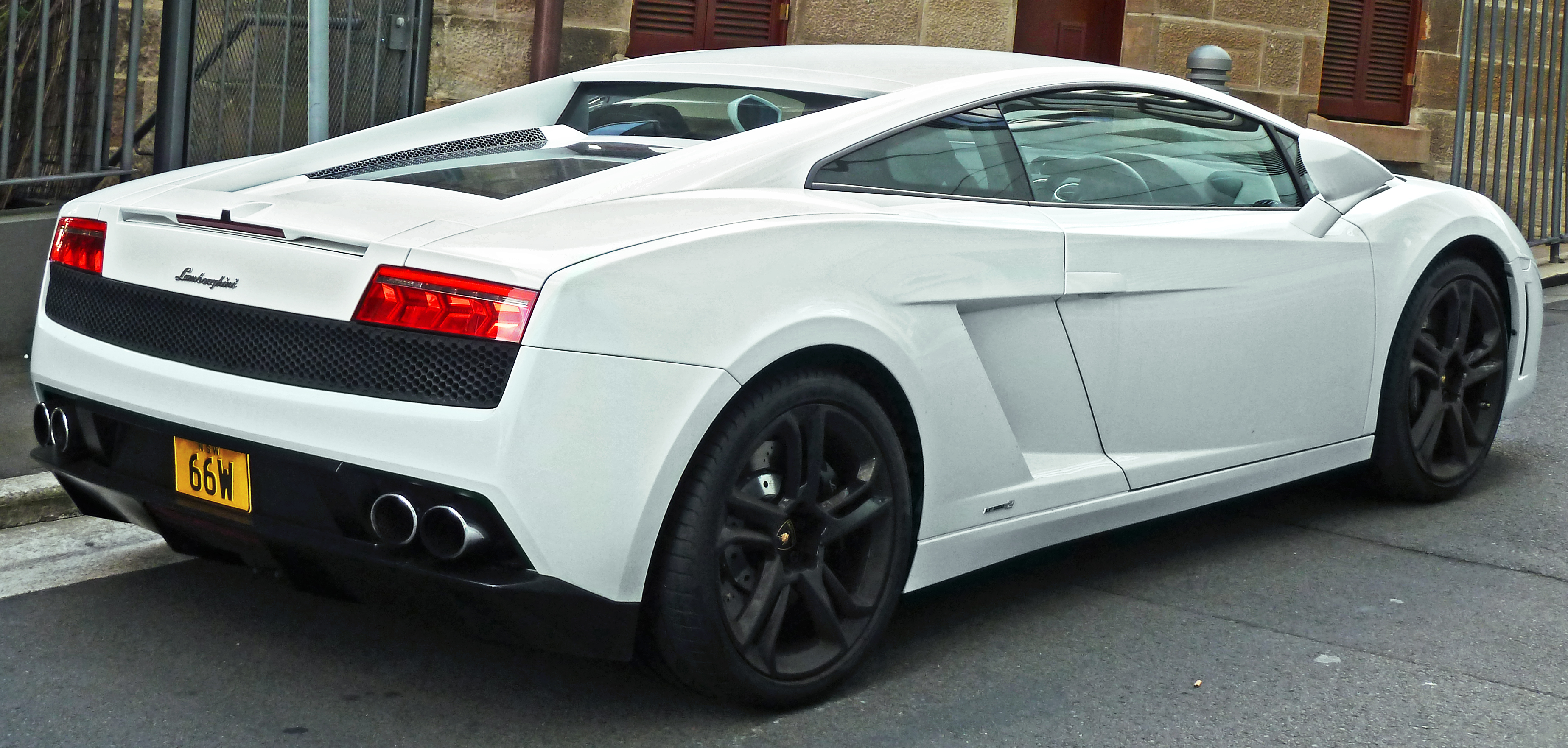 file:2010-2011 lamborghini gallardo (l140) lp 550-2 coupe (2011-11
