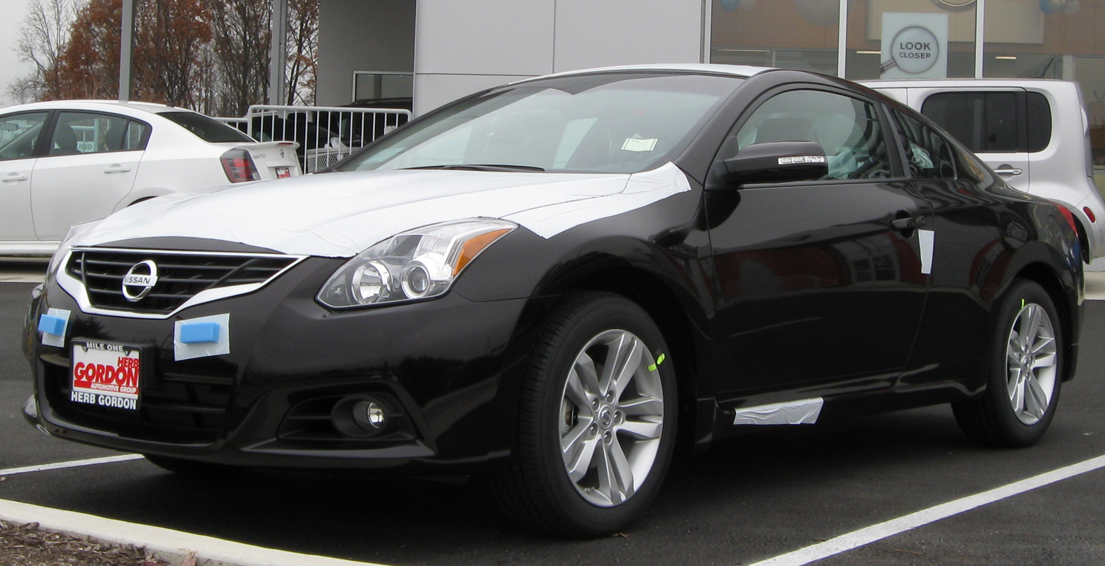 File:2010 Nissan Altima Coupe    11 23 2009