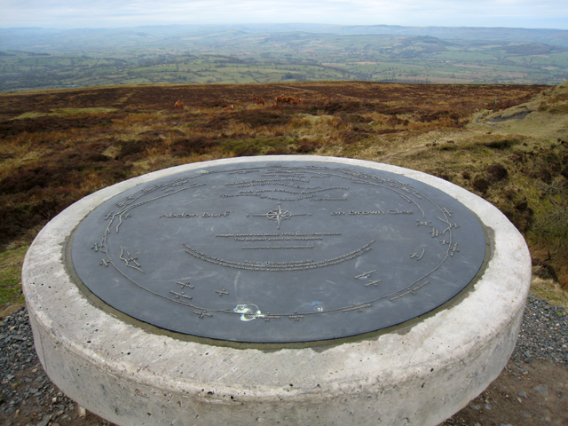 Abdon Burf toposcope on Brown Clee Hill - geograph.org.uk - 724578