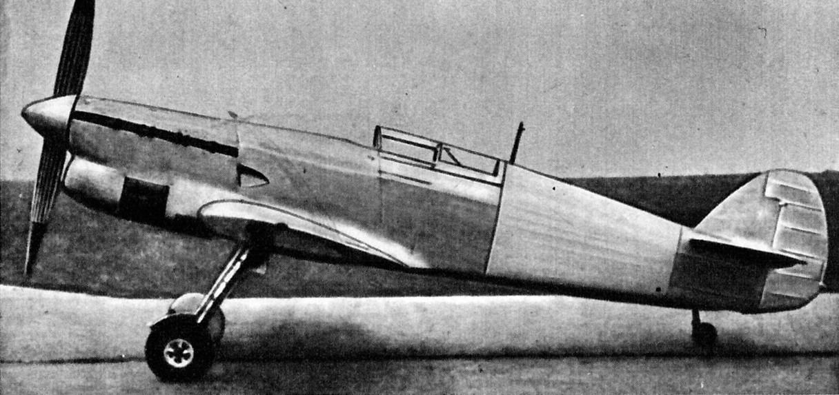 Avia_B-135_PD.jpg