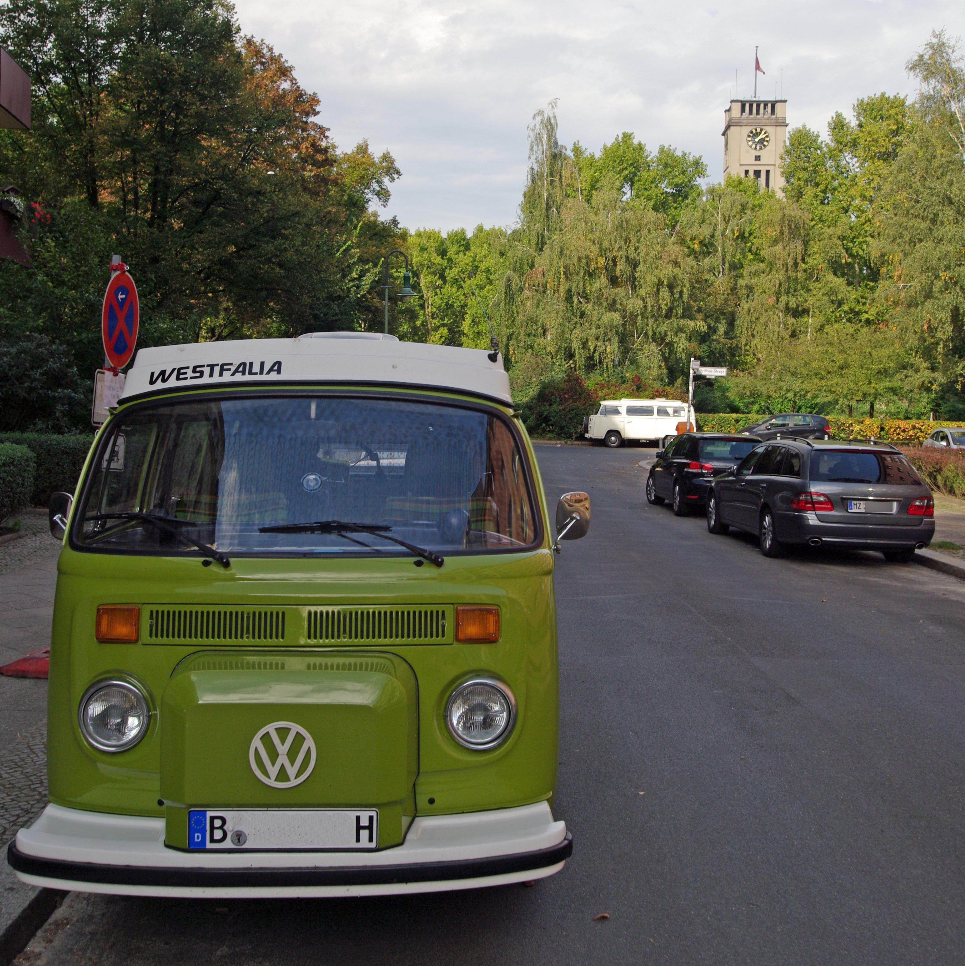file berlin hewaldstrasse vw bus 14 10 50 jpg. Black Bedroom Furniture Sets. Home Design Ideas