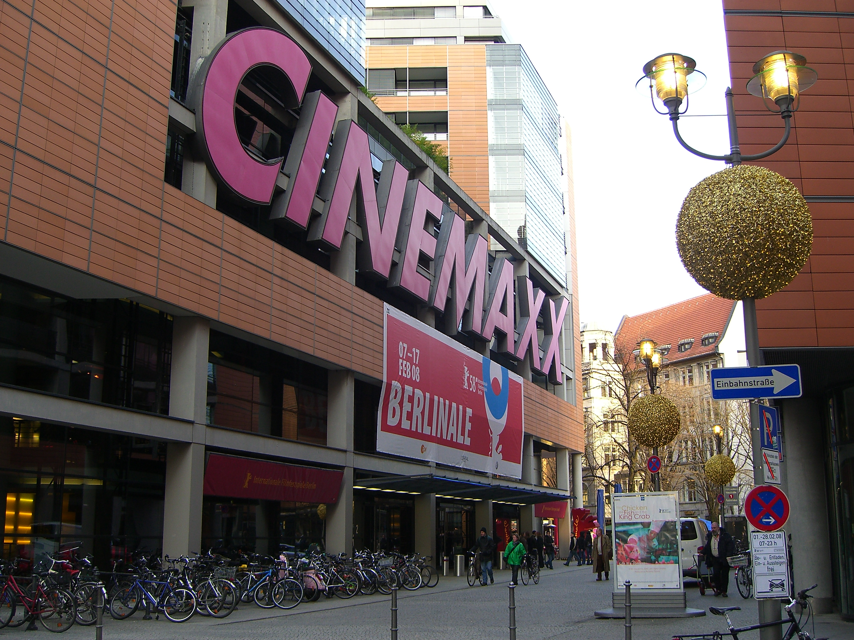 file berlinale cinemaxx am potsdamer platz jpg wikimedia commons. Black Bedroom Furniture Sets. Home Design Ideas