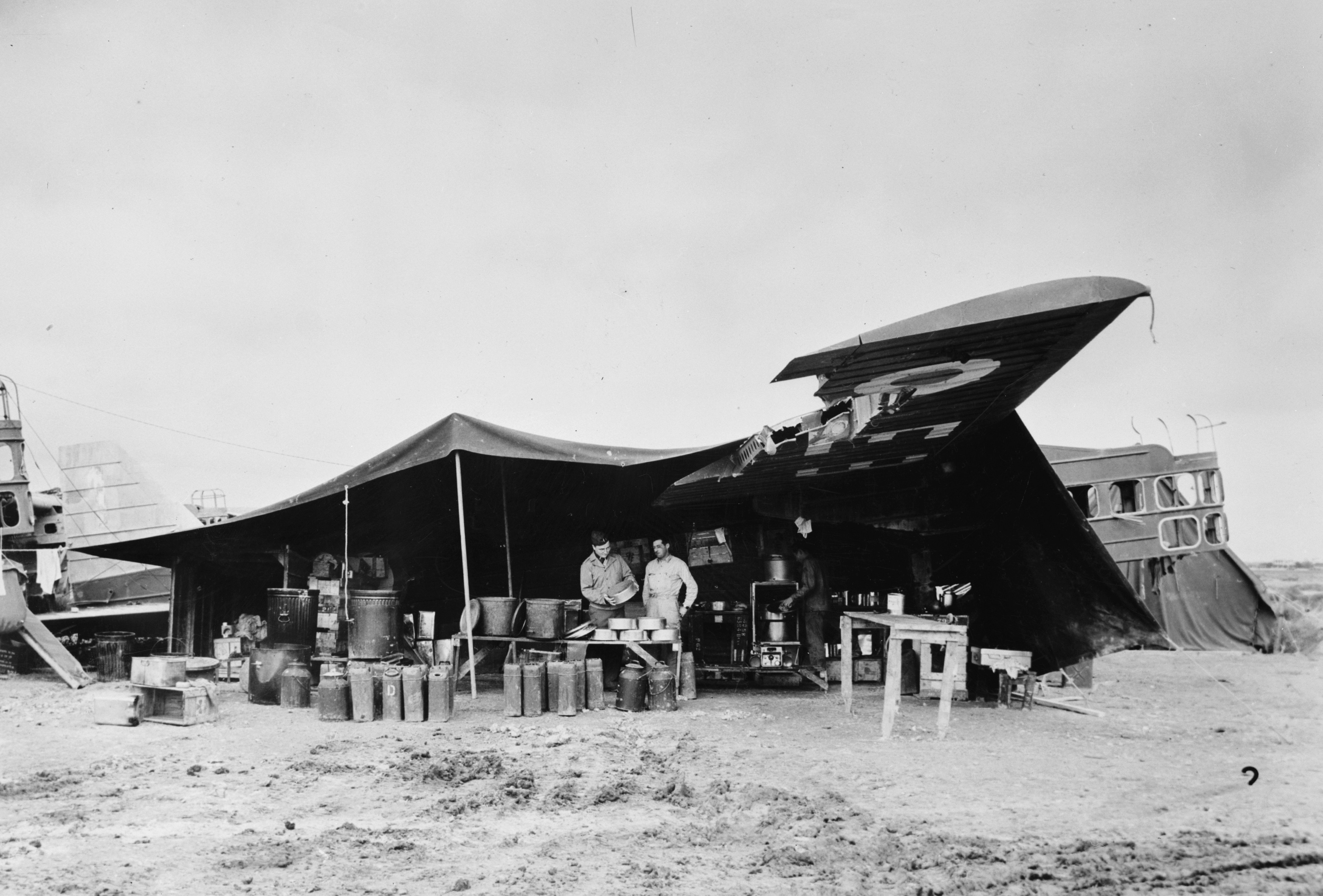 File:Bloch MB200 used as US field kitchen 1943.jpg - Wikimedia Commons