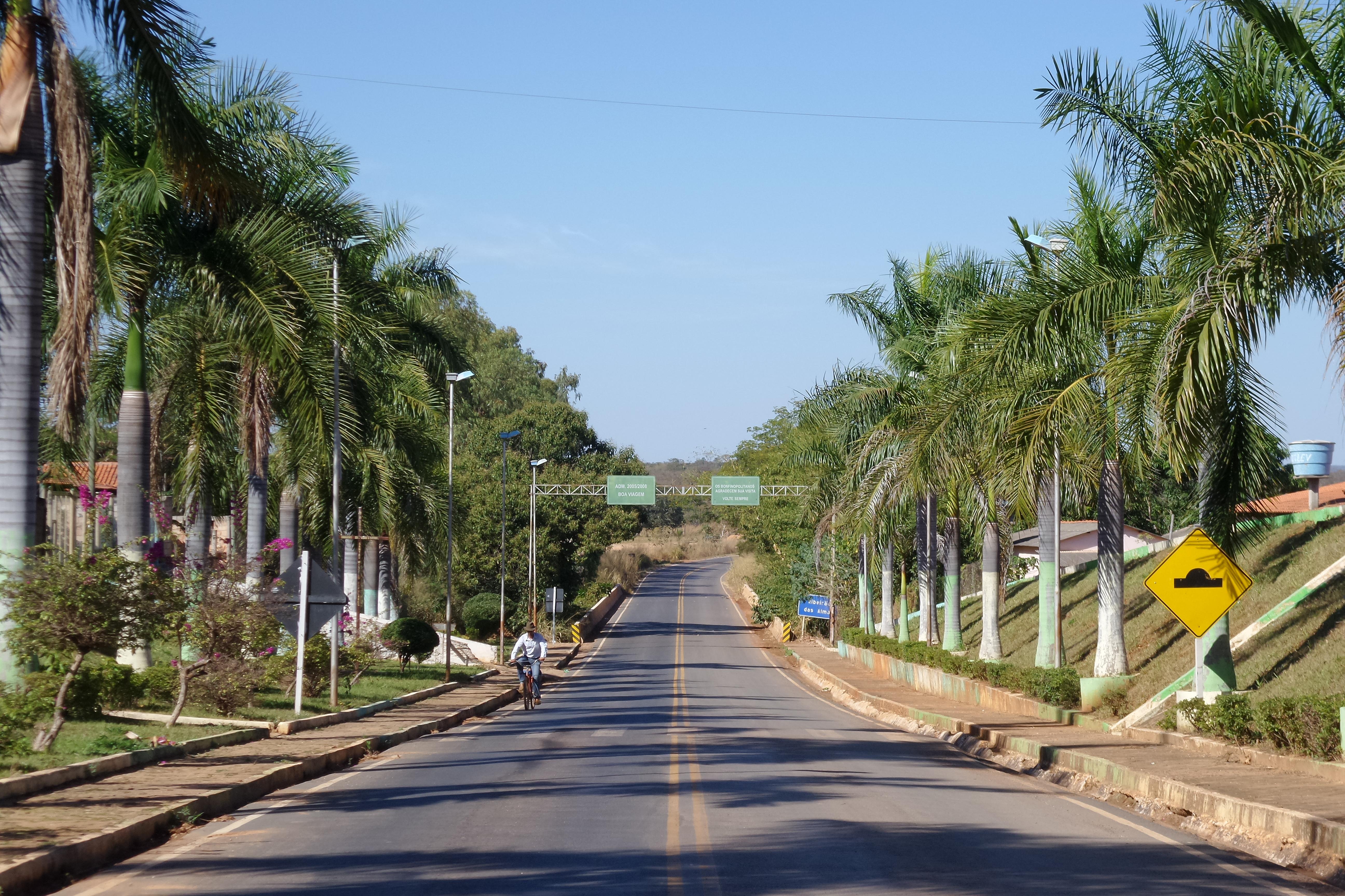 Bonfinópolis de Minas Minas Gerais fonte: upload.wikimedia.org