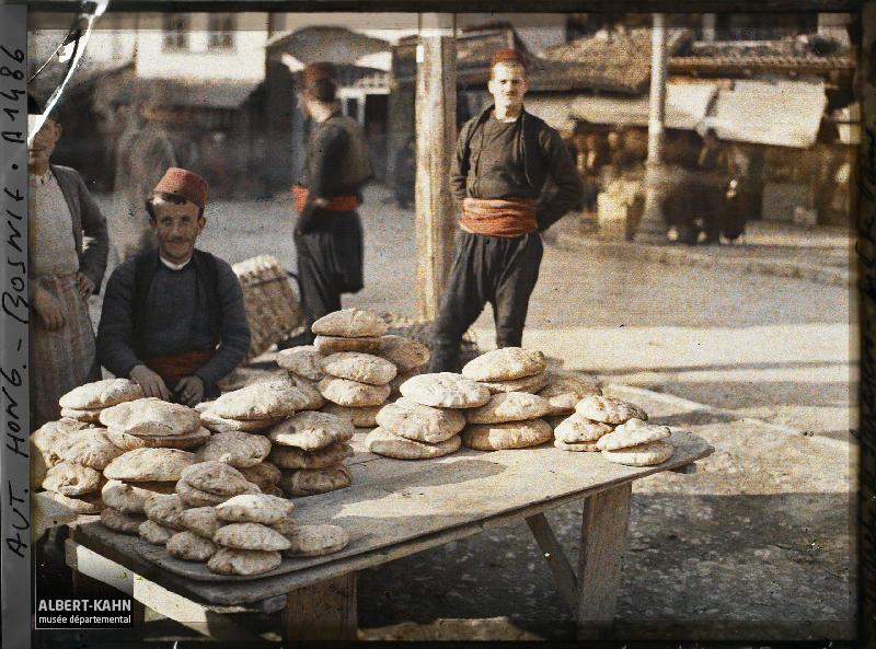 Datoteka:Bosnian bread merchant.jpg - Wikipedia