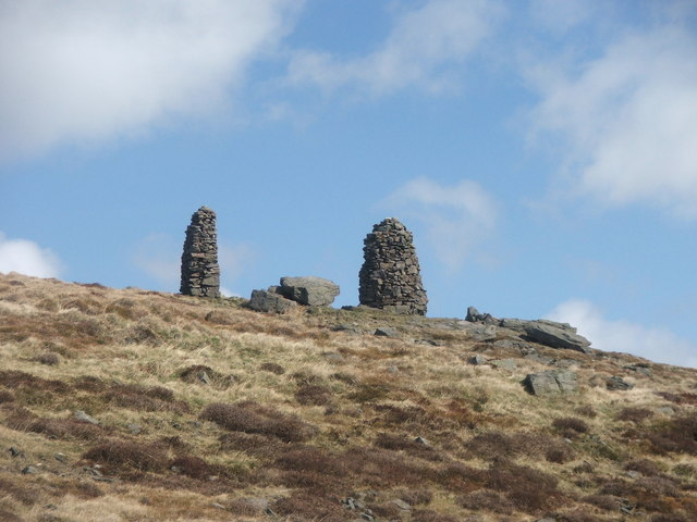 Cairns on Skipton Moor. - geograph.org.uk - 153319