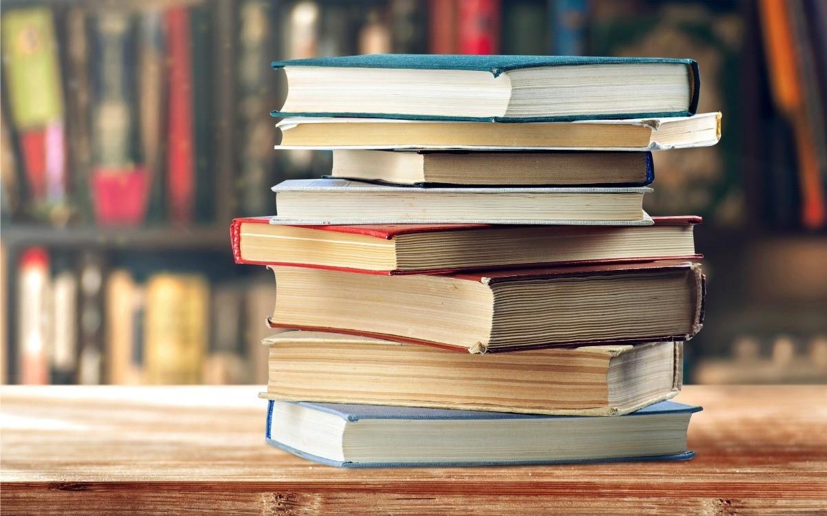 File:College Textbooks.jpg - Wikimedia Commons