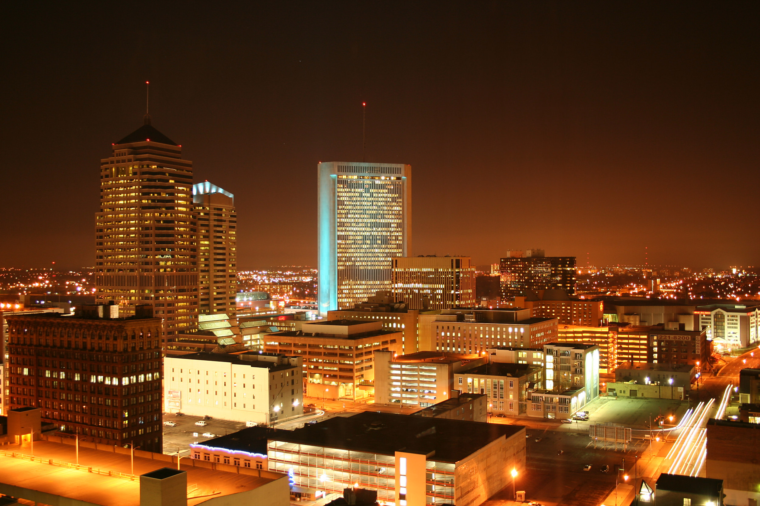 Columbus-ohio-downtown-night.jpg