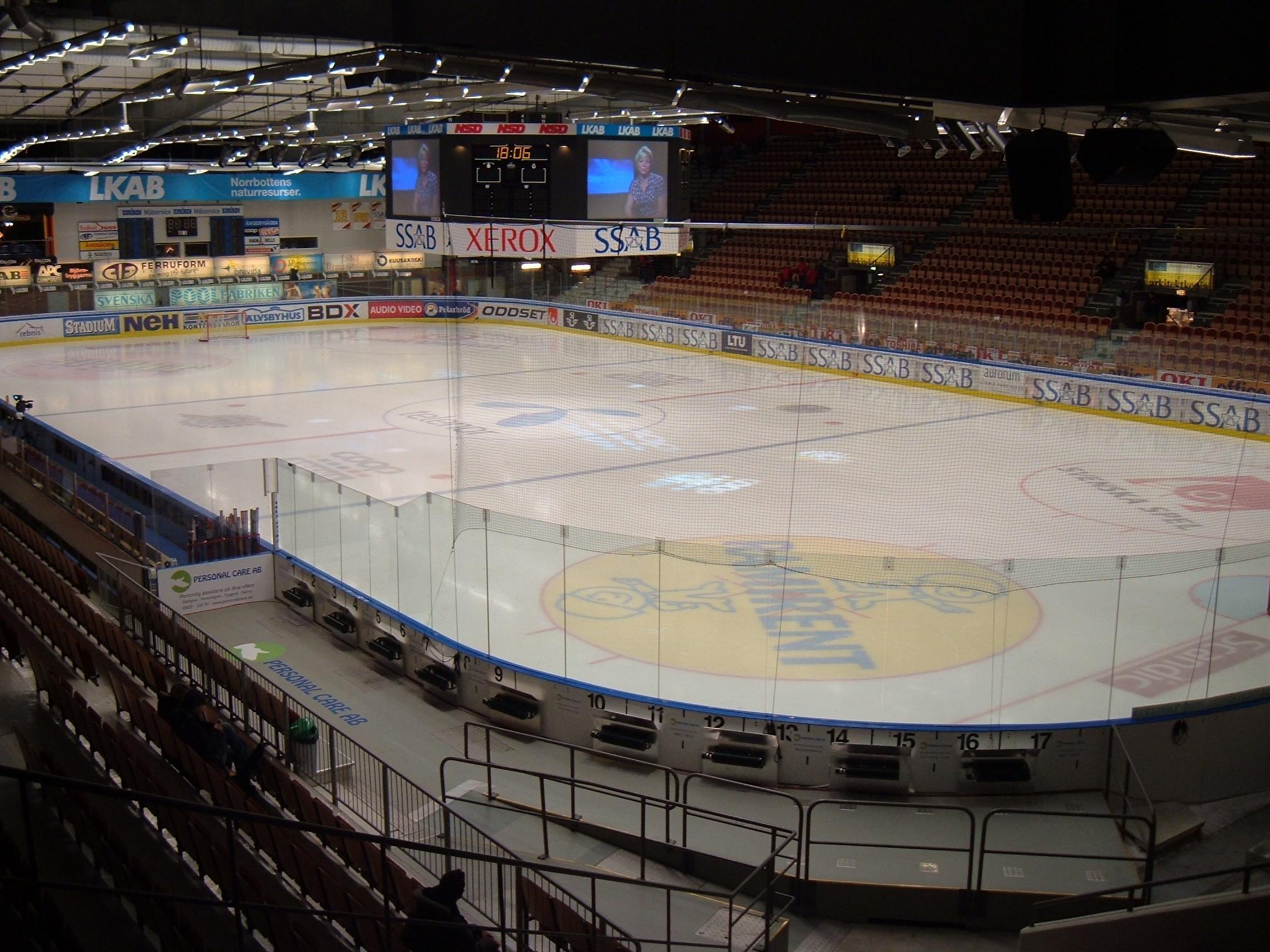 File Coop Arena indoor...